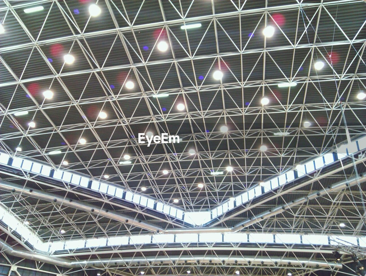 ceiling, indoors, low angle view, no people, architecture, built structure, pattern, roof, day