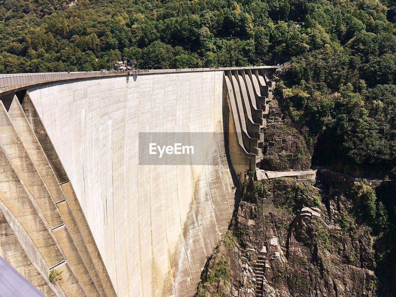 dam, hydroelectric power, bridge - man made structure, built structure, renewable energy, water, fuel and power generation, engineering, architecture, tree, connection, day, outdoors, river, water conservation, nature, power station, alternative energy, irrigation equipment, no people