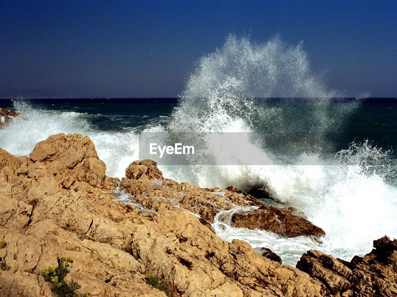 sea, motion, force, crash, breaking, power in nature, hitting, rough, nature, wave, water, beauty in nature, horizon over water, no people, outdoors, day, sky, clear sky