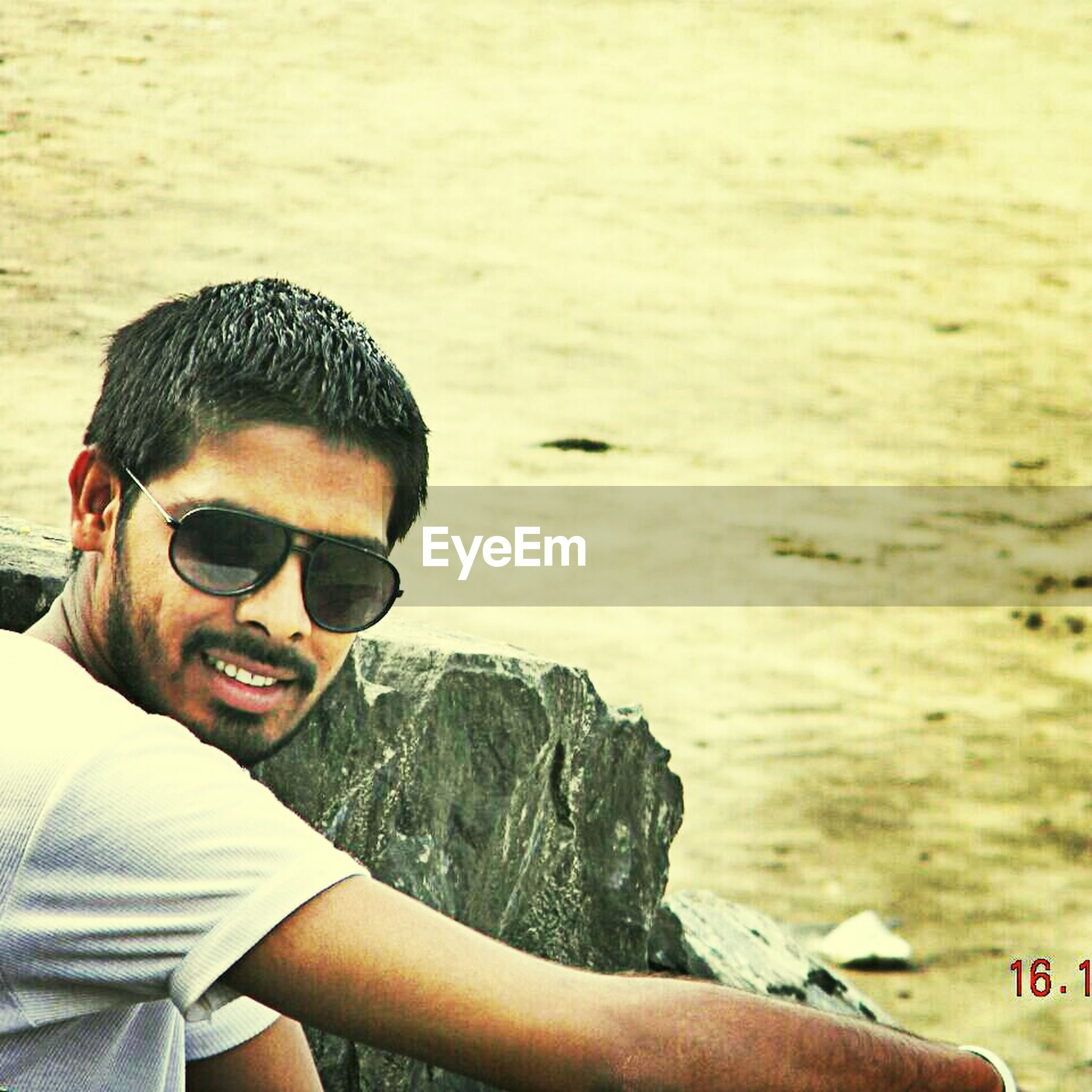 lifestyles, leisure activity, young adult, person, water, young men, headshot, sunglasses, looking at camera, portrait, sea, vacations, smiling, mid adult men, front view, head and shoulders, mid adult