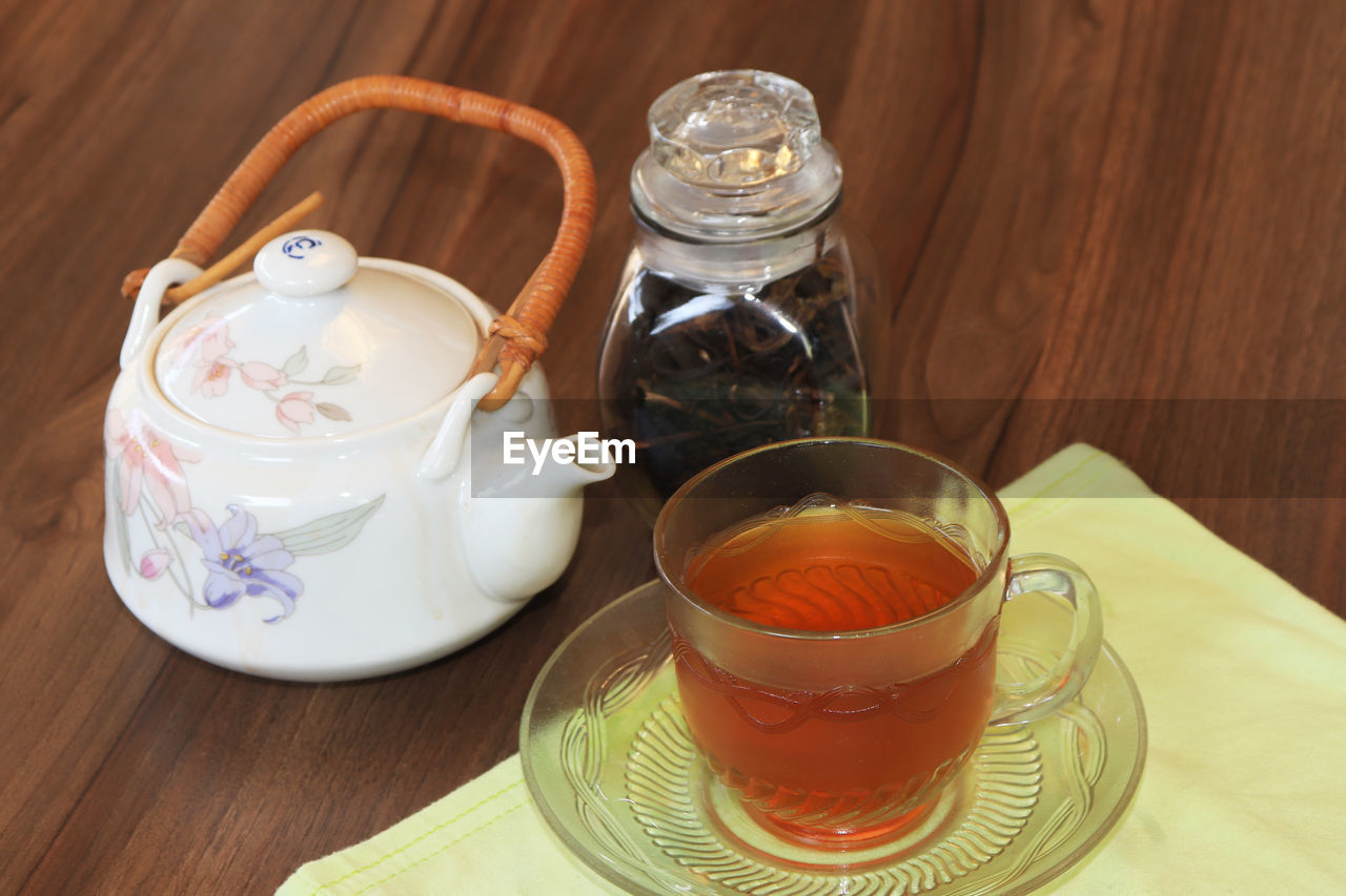 food and drink, table, refreshment, drink, cup, teapot, hot drink, tea, still life, mug, tea - hot drink, indoors, no people, crockery, saucer, wood - material, close-up, food, freshness, tea cup, tray