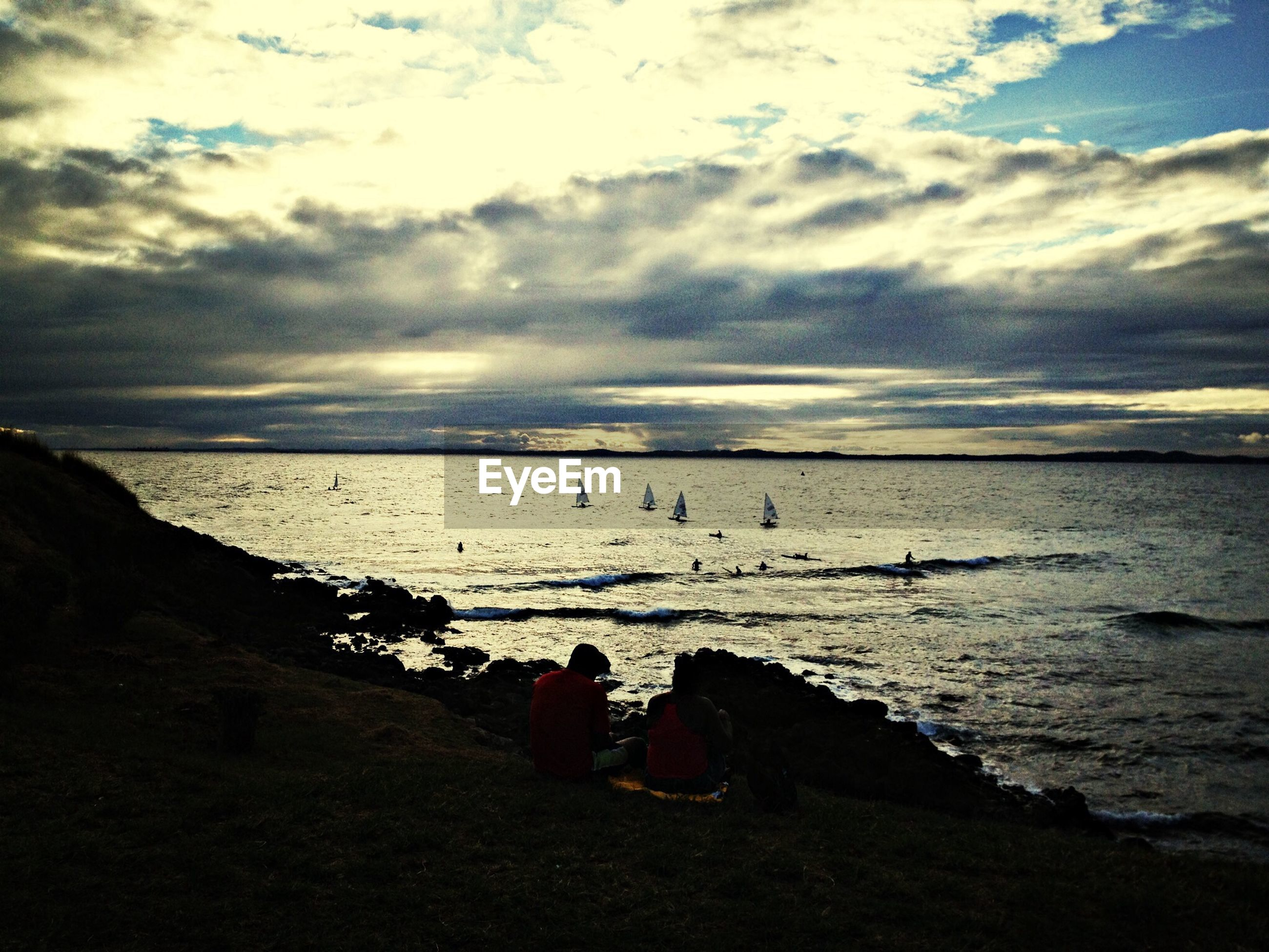 sea, sky, water, beach, horizon over water, cloud - sky, lifestyles, shore, leisure activity, tranquil scene, scenics, tranquility, beauty in nature, cloudy, nature, cloud, sand, person
