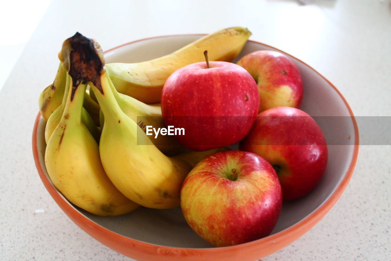 healthy eating, fruit, food, food and drink, freshness, wellbeing, still life, apple - fruit, red, banana, close-up, group of objects, bowl, no people, indoors, table, group, variation, choice, plate