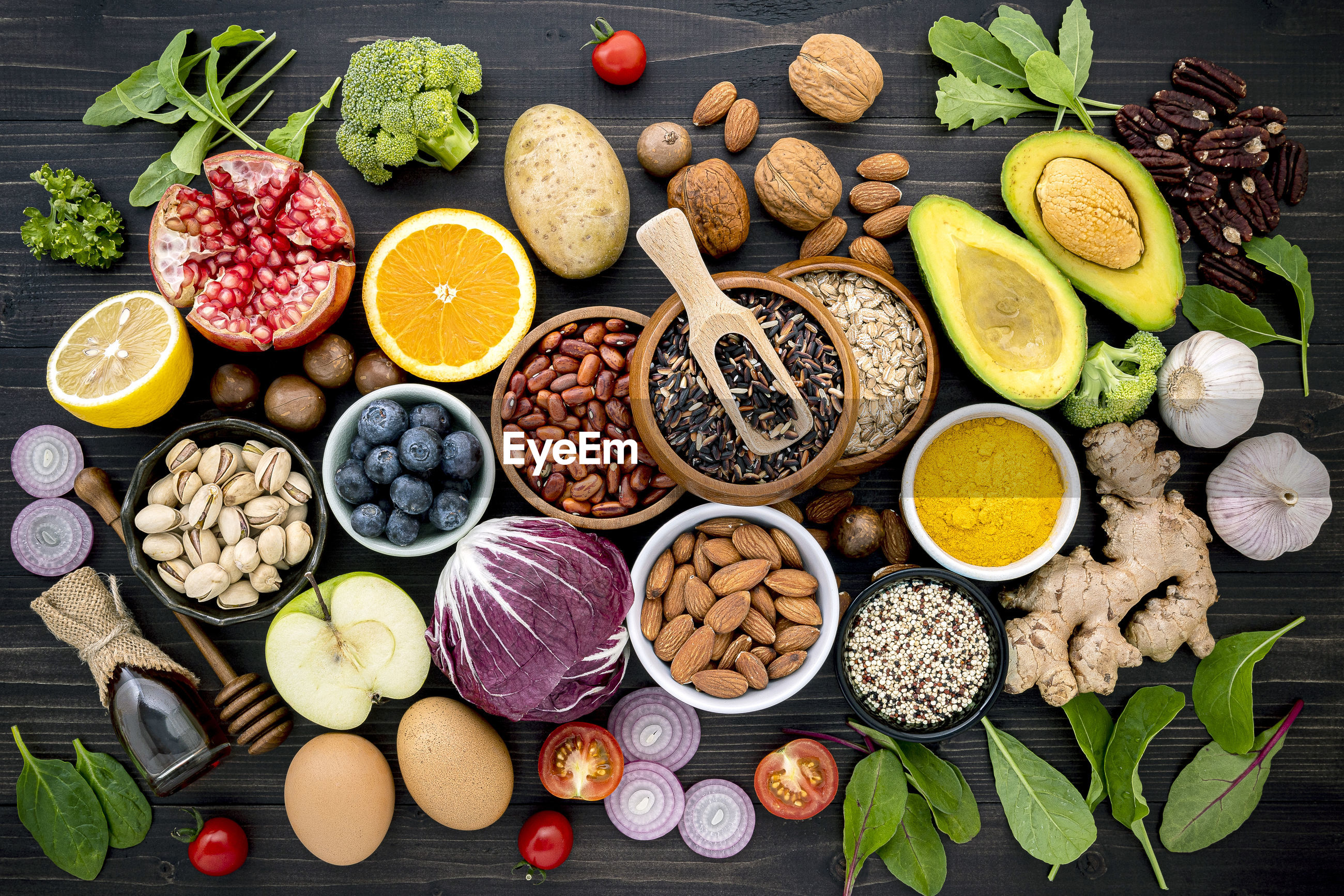 HIGH ANGLE VIEW OF FRUITS IN BOWLS