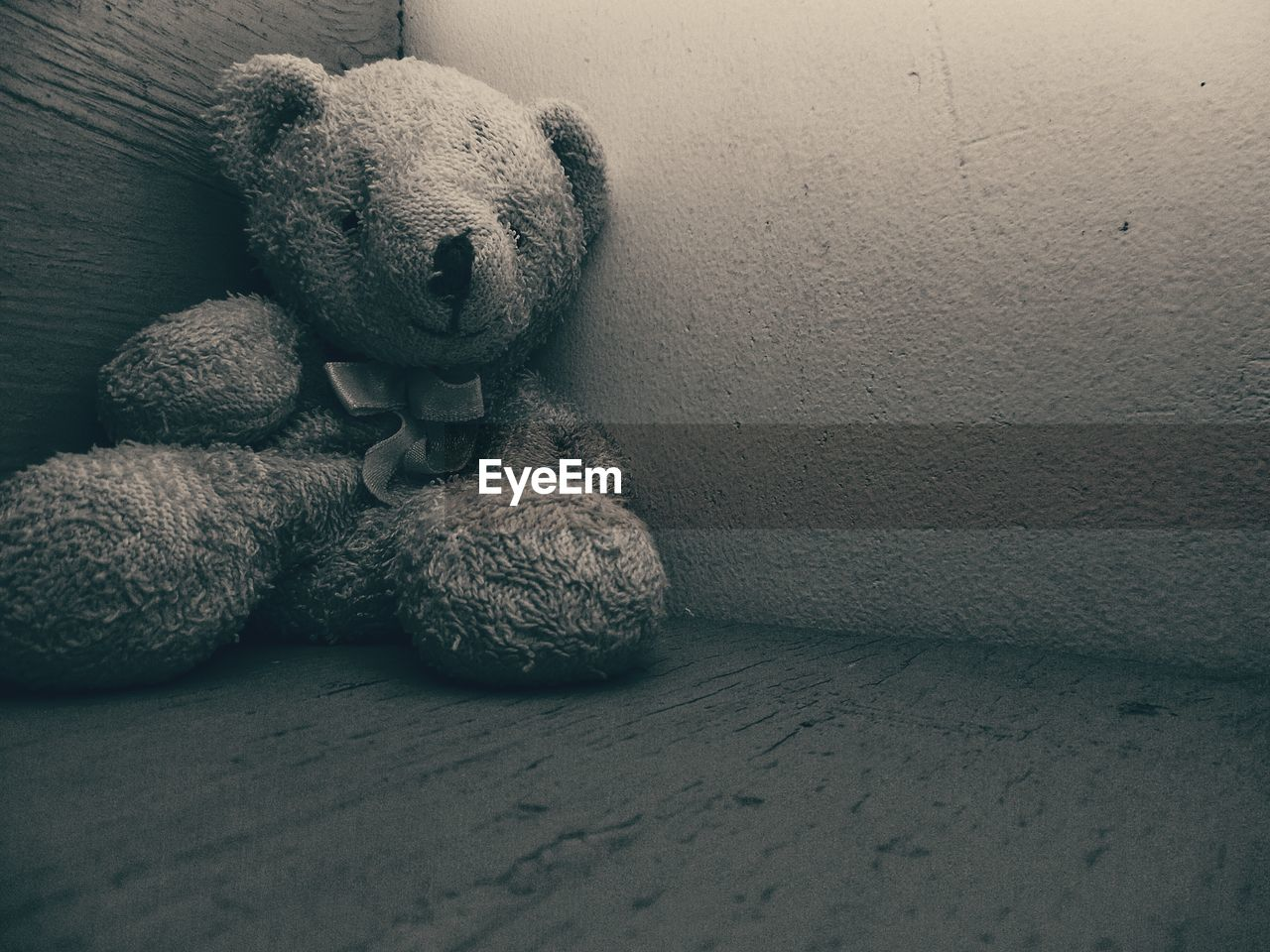 teddy bear, stuffed toy, toy, animal representation, indoors, no people, childhood, close-up, day
