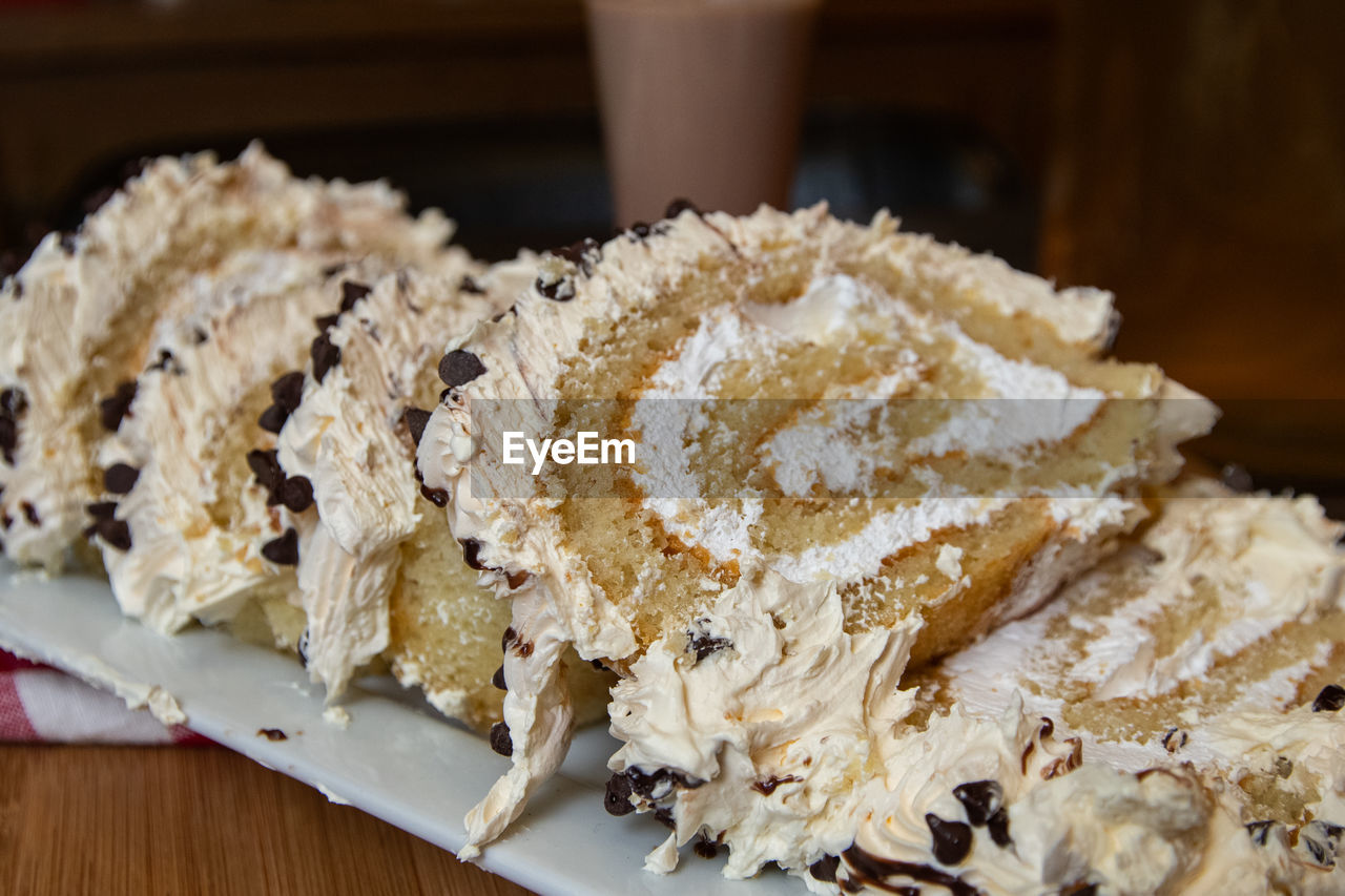 food and drink, food, freshness, indoors, ready-to-eat, still life, close-up, focus on foreground, indulgence, sweet food, dessert, no people, temptation, table, sweet, baked, wellbeing, serving size, healthy eating, powdered sugar, snack