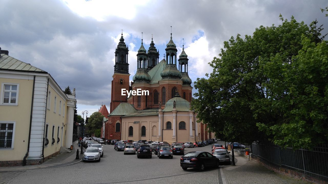 VIEW OF CHURCH AGAINST SKY
