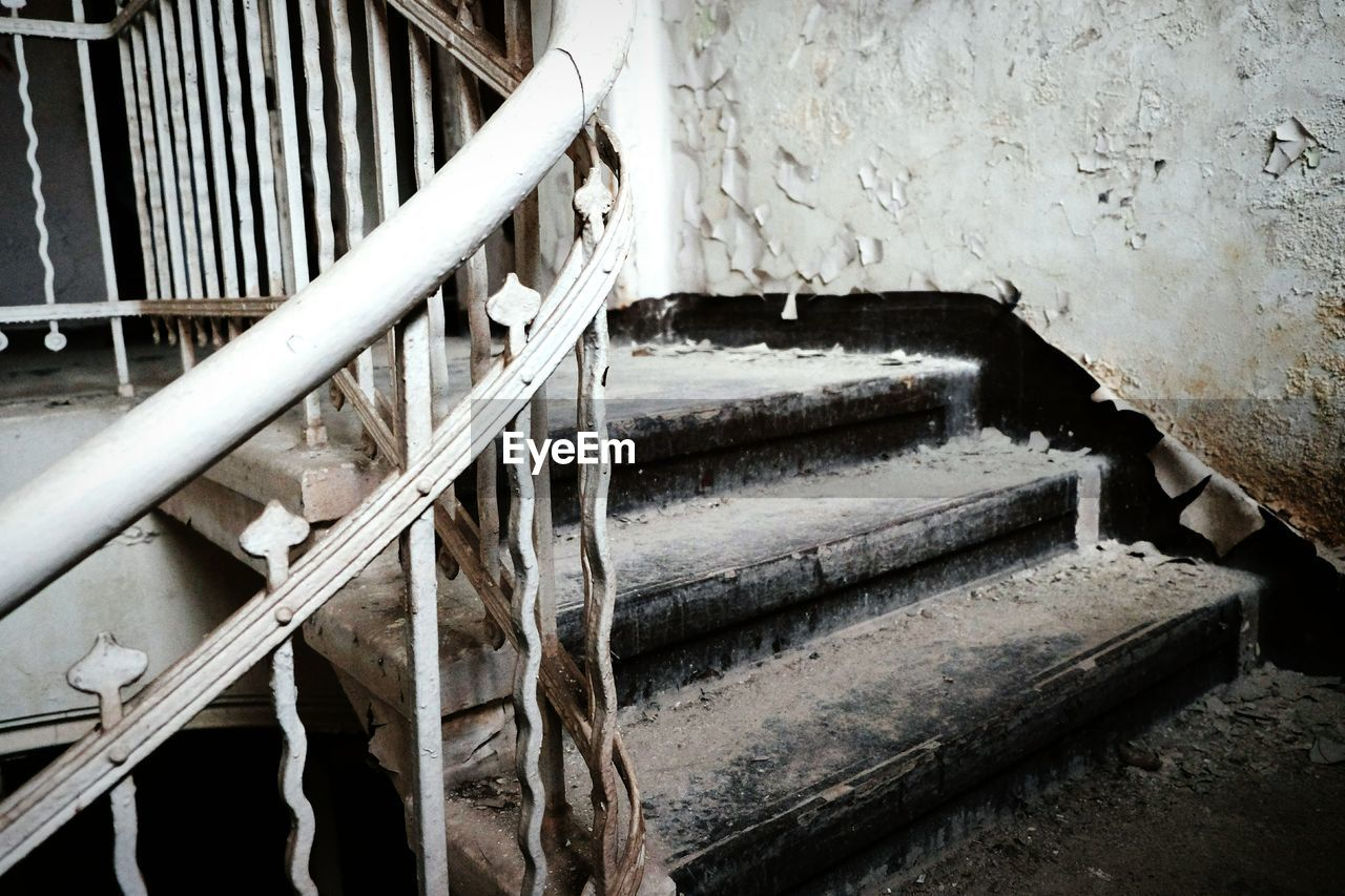 steps, staircase, steps and staircases, abandoned, no people, architecture, indoors, day, close-up