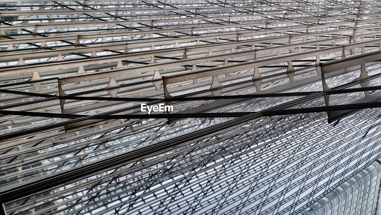roof, pattern, indoors, no people, full frame, architecture, backgrounds, built structure, low angle view, day, steel, close-up, metal industry