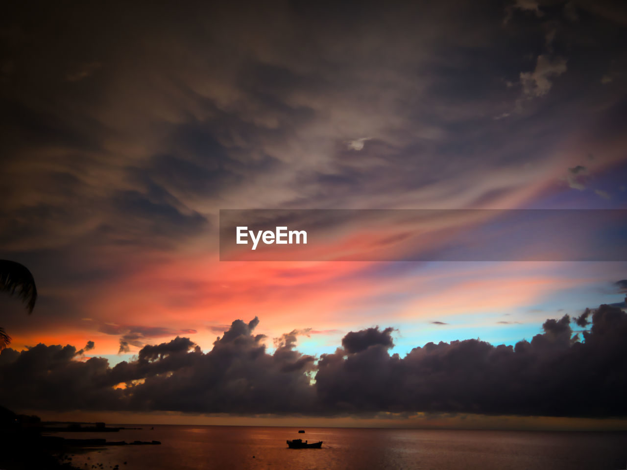 sunset, sky, cloud - sky, beauty in nature, scenics - nature, orange color, tranquility, water, tranquil scene, nature, silhouette, sea, no people, idyllic, outdoors, dramatic sky, non-urban scene, waterfront, transportation