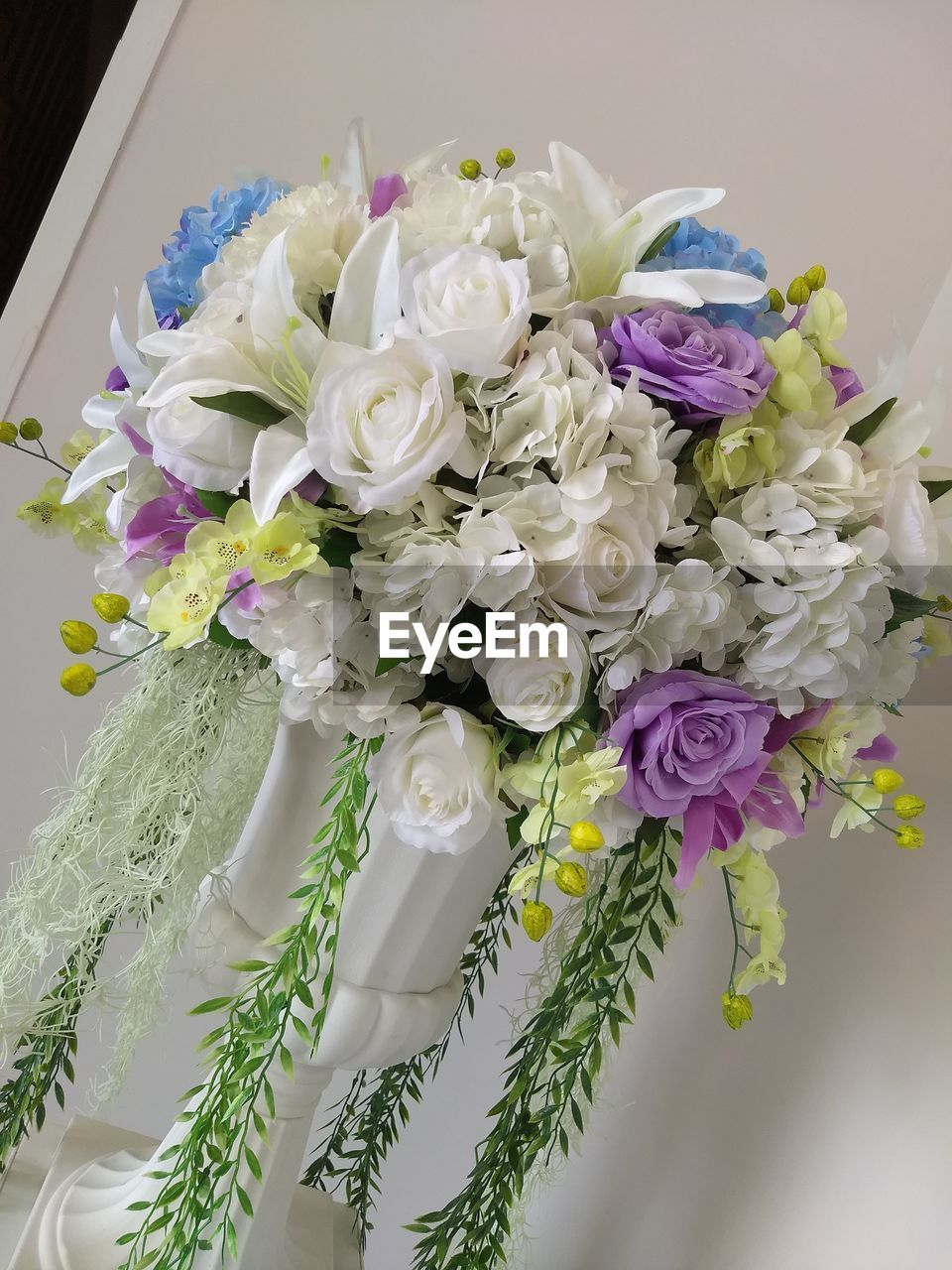 flower, no people, bouquet, celebration, close-up, petal, rose - flower, fragility, indoors, flower head, freshness, wedding, beauty in nature, nature, day