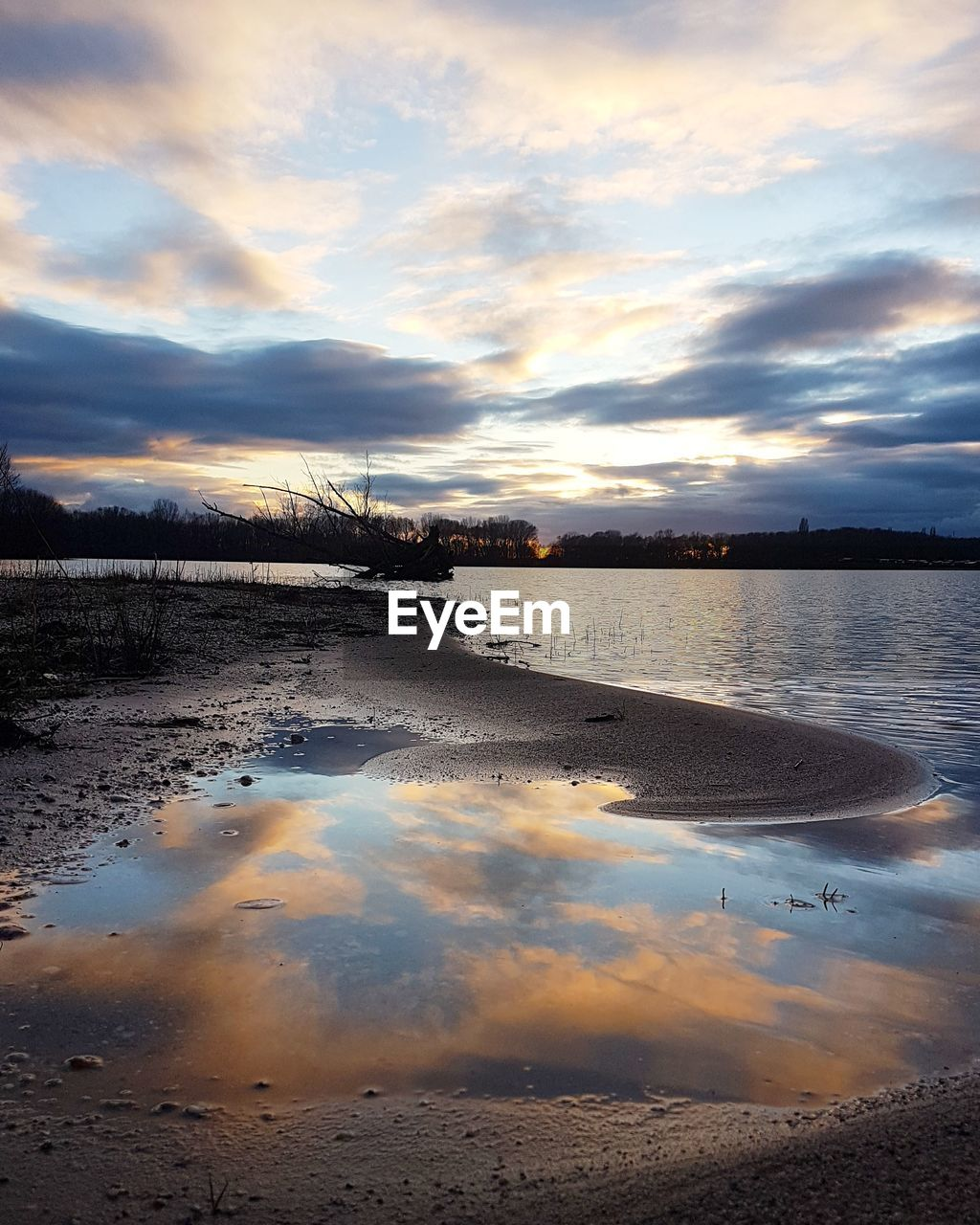 water, cloud - sky, reflection, tranquility, tranquil scene, nature, scenics, sky, beauty in nature, sunset, no people, outdoors, lake, day