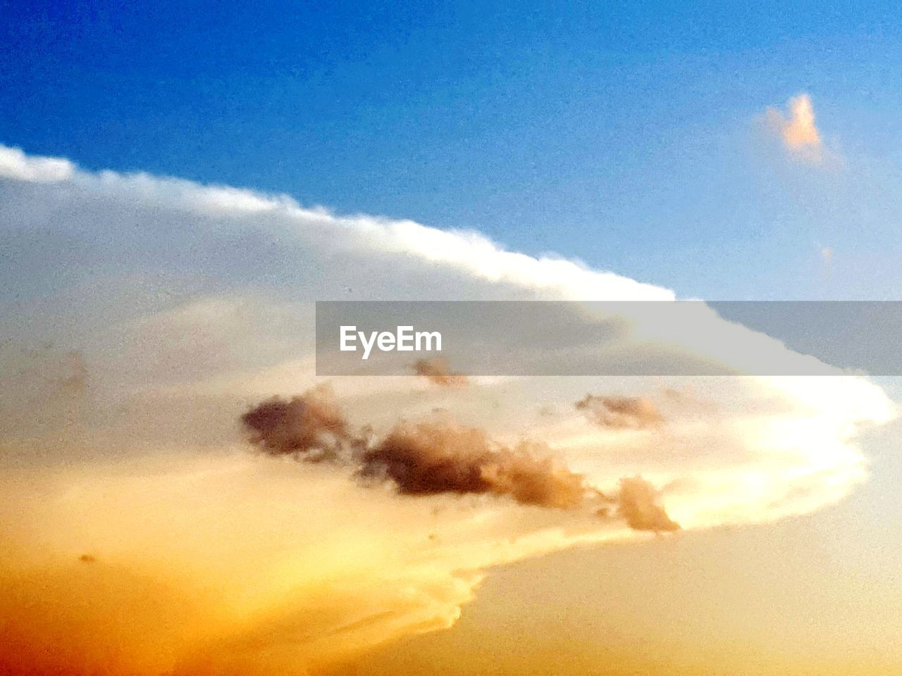 sky, nature, beauty in nature, cloud - sky, scenics, sky only, backgrounds, low angle view, tranquility, outdoors, sunset, tranquil scene, no people, full frame, day