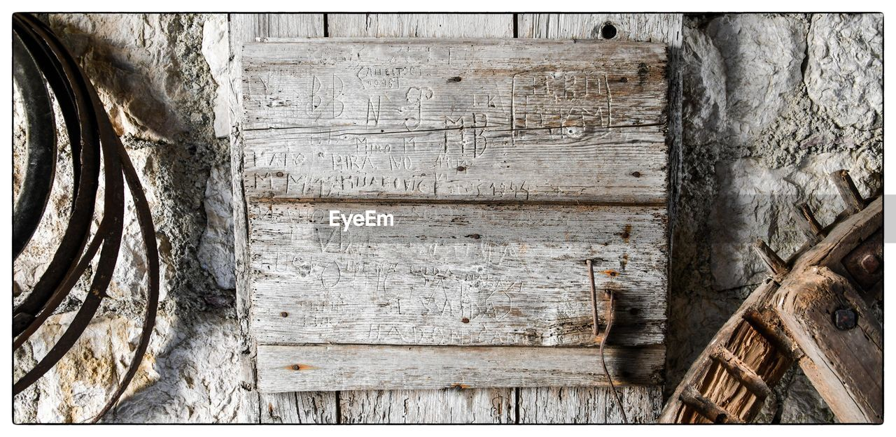 wood - material, weathered, textured, no people, damaged, built structure, day, tree trunk, close-up, architecture, outdoors