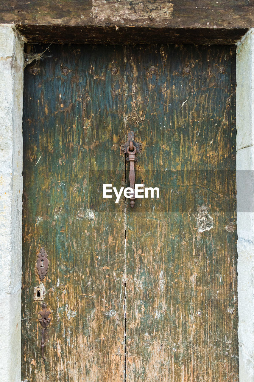 wood - material, door, day, outdoors, no people, rusty, latch, close-up, architecture