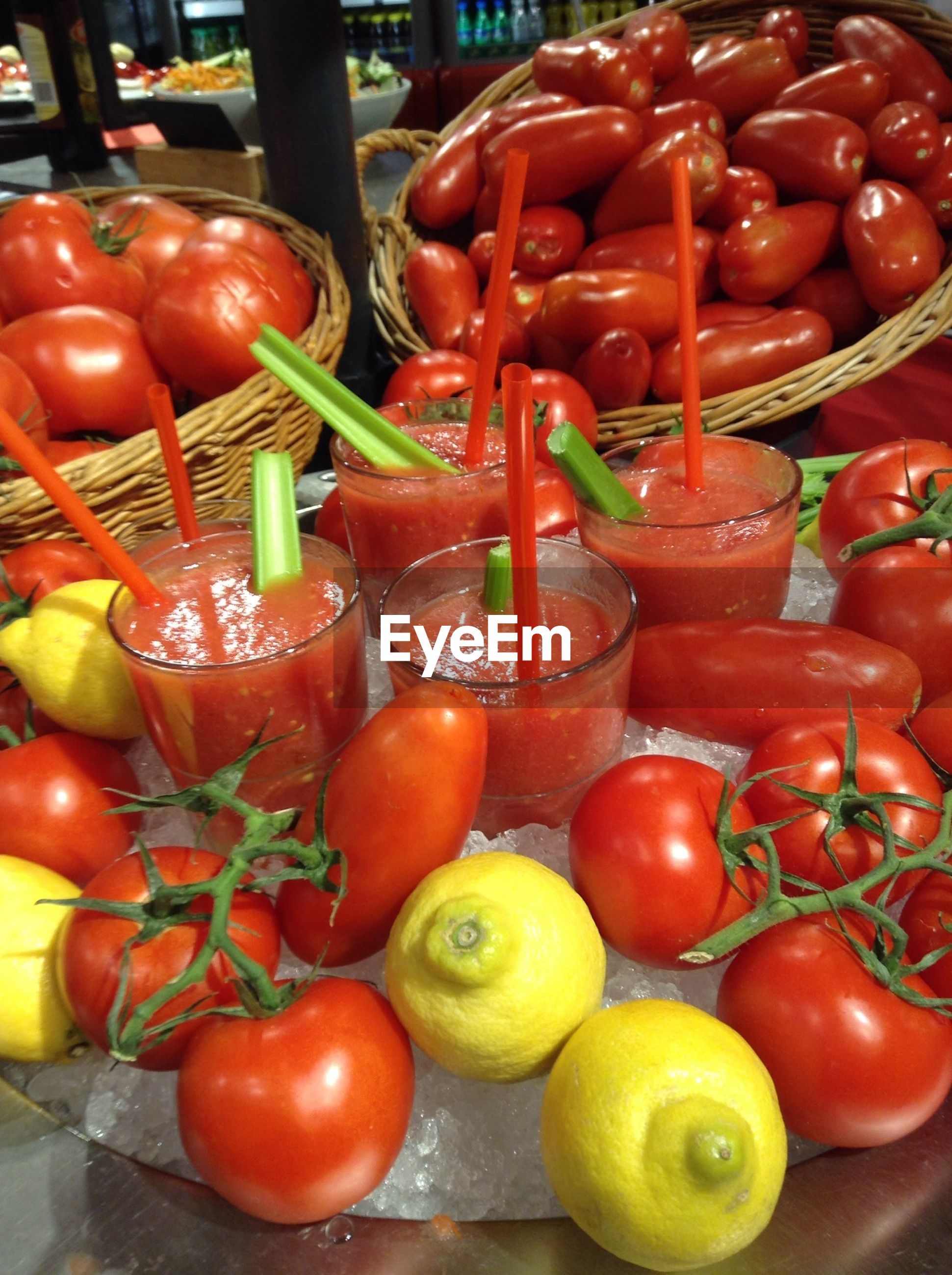 FULL FRAME SHOT OF TOMATOES IN MARKET