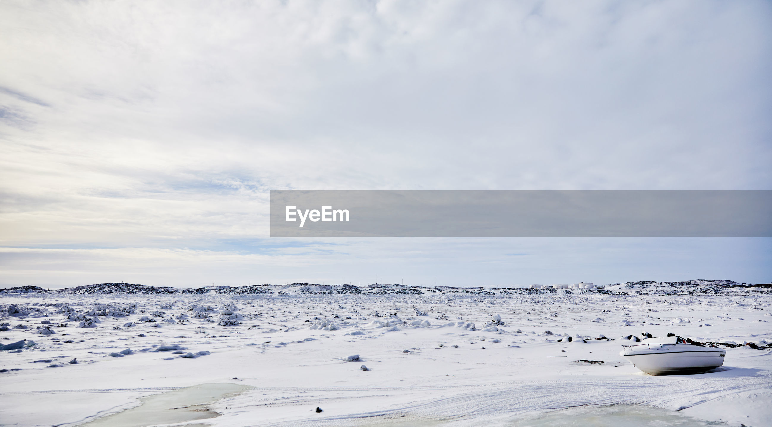 SCENIC VIEW OF SNOW AGAINST SKY