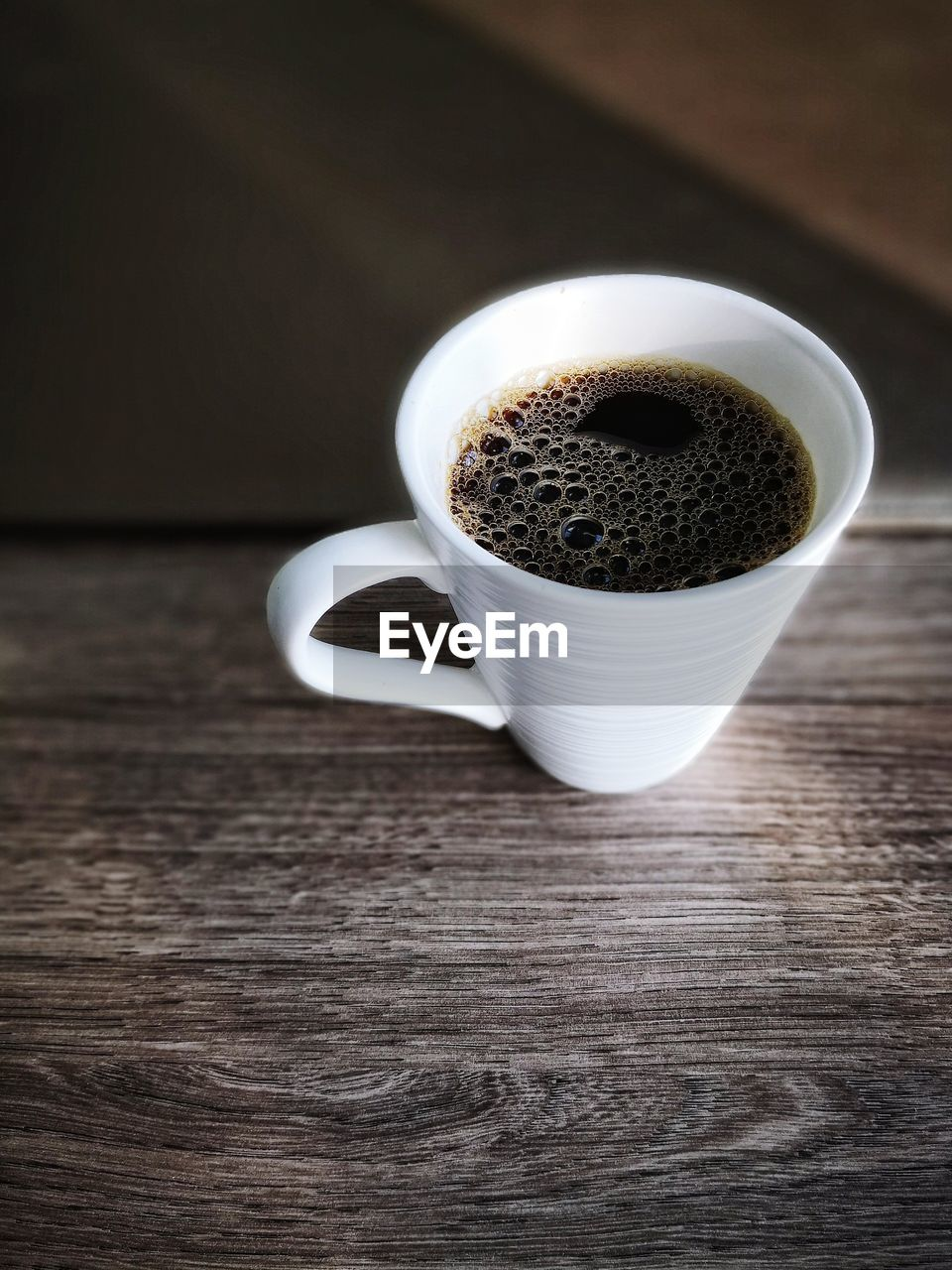 food and drink, table, mug, cup, drink, refreshment, still life, coffee, coffee cup, freshness, coffee - drink, indoors, wood - material, no people, high angle view, food, close-up, focus on foreground, frothy drink, hot drink, non-alcoholic beverage, caffeine, crockery