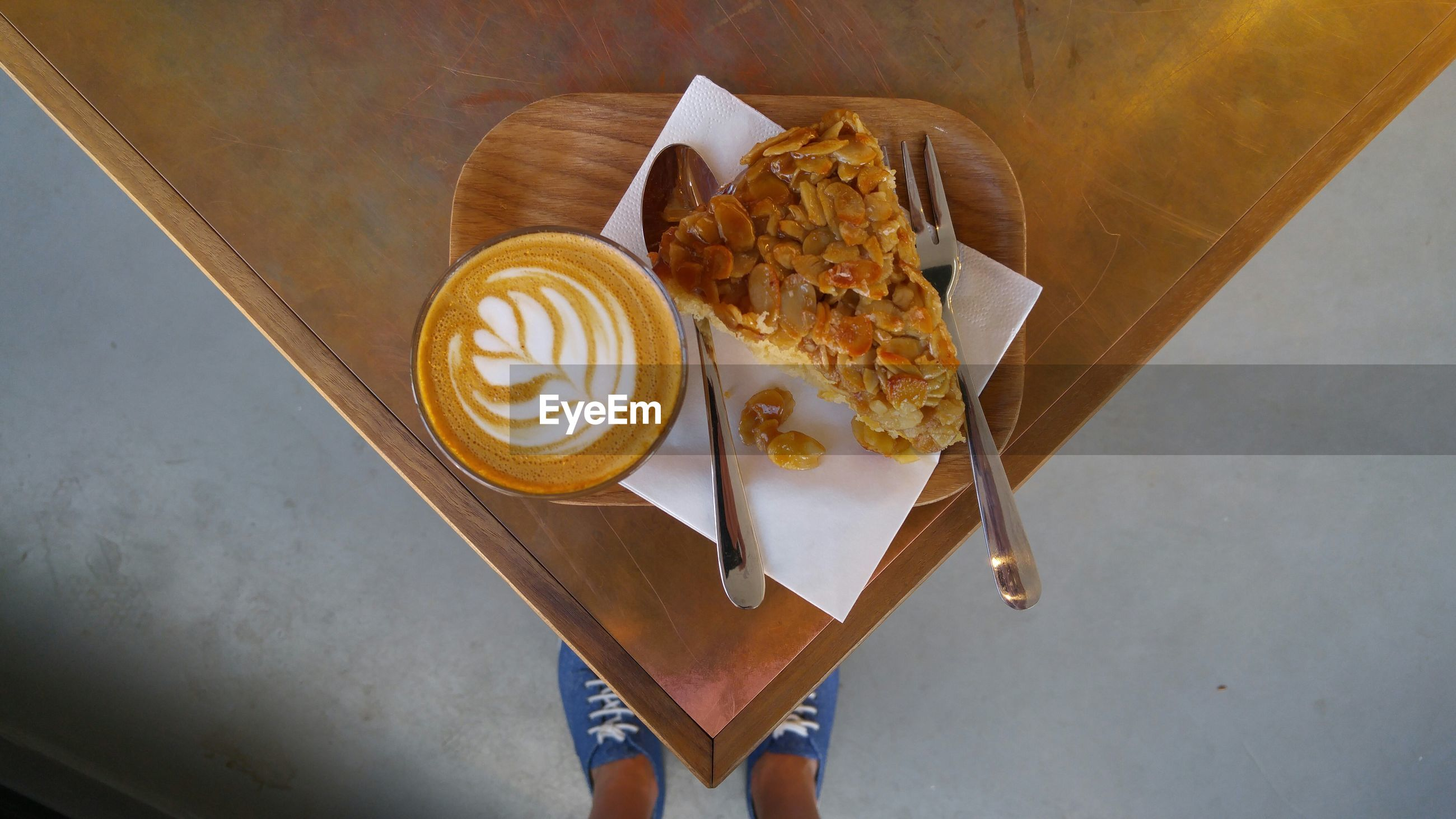 HIGH ANGLE VIEW OF FOOD ON TABLE AT CAFE