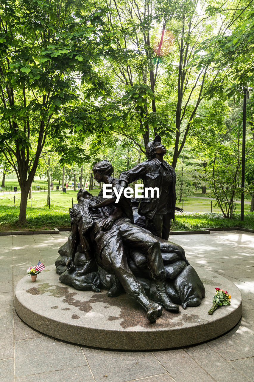 statue, sculpture, tree, outdoors, park - man made space, day, no people, nature, city