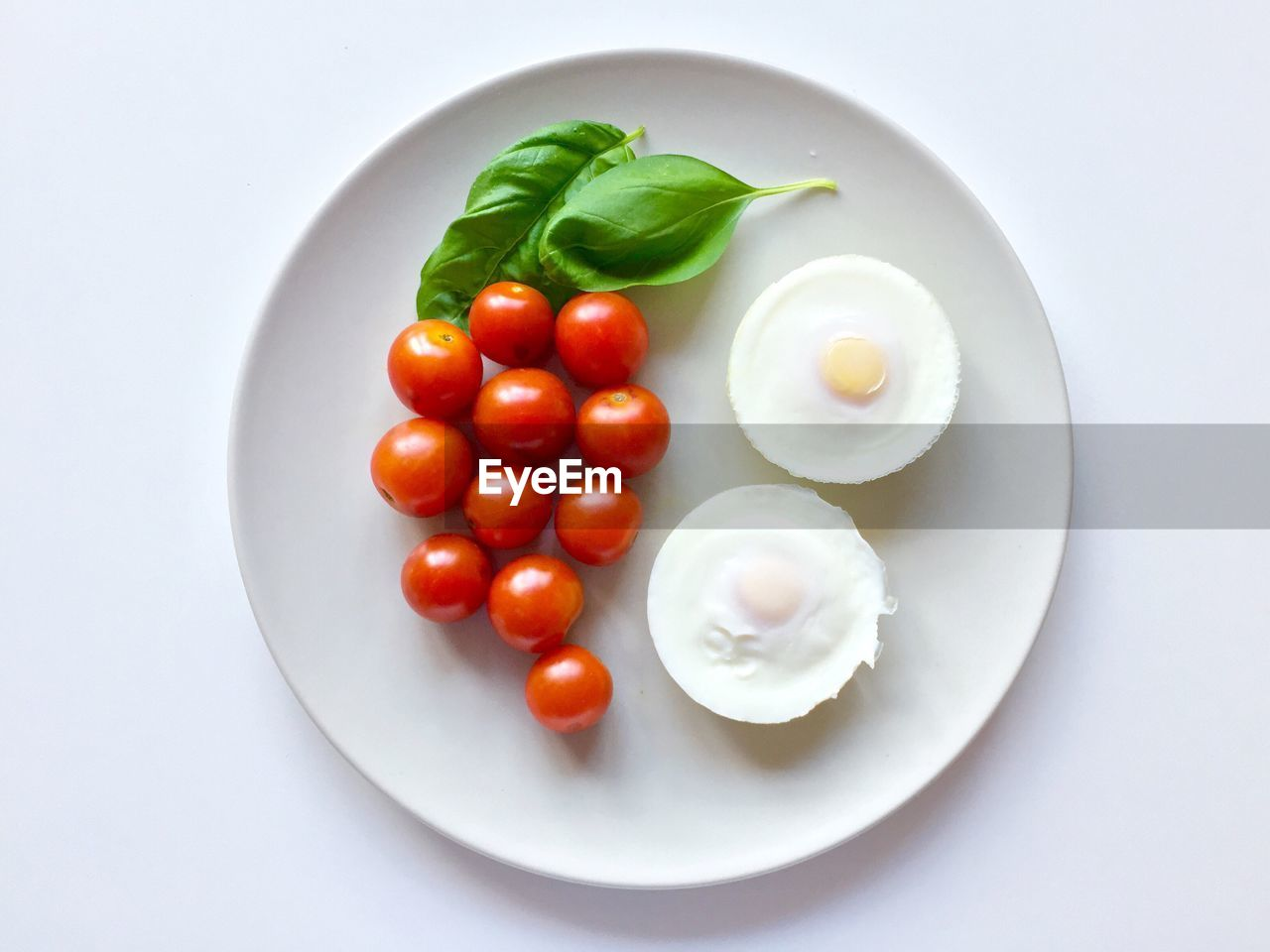 food, food and drink, plate, tomato, freshness, healthy eating, white background, vegetable, no people, high angle view, cherry tomato, ready-to-eat, studio shot, indoors, close-up, day