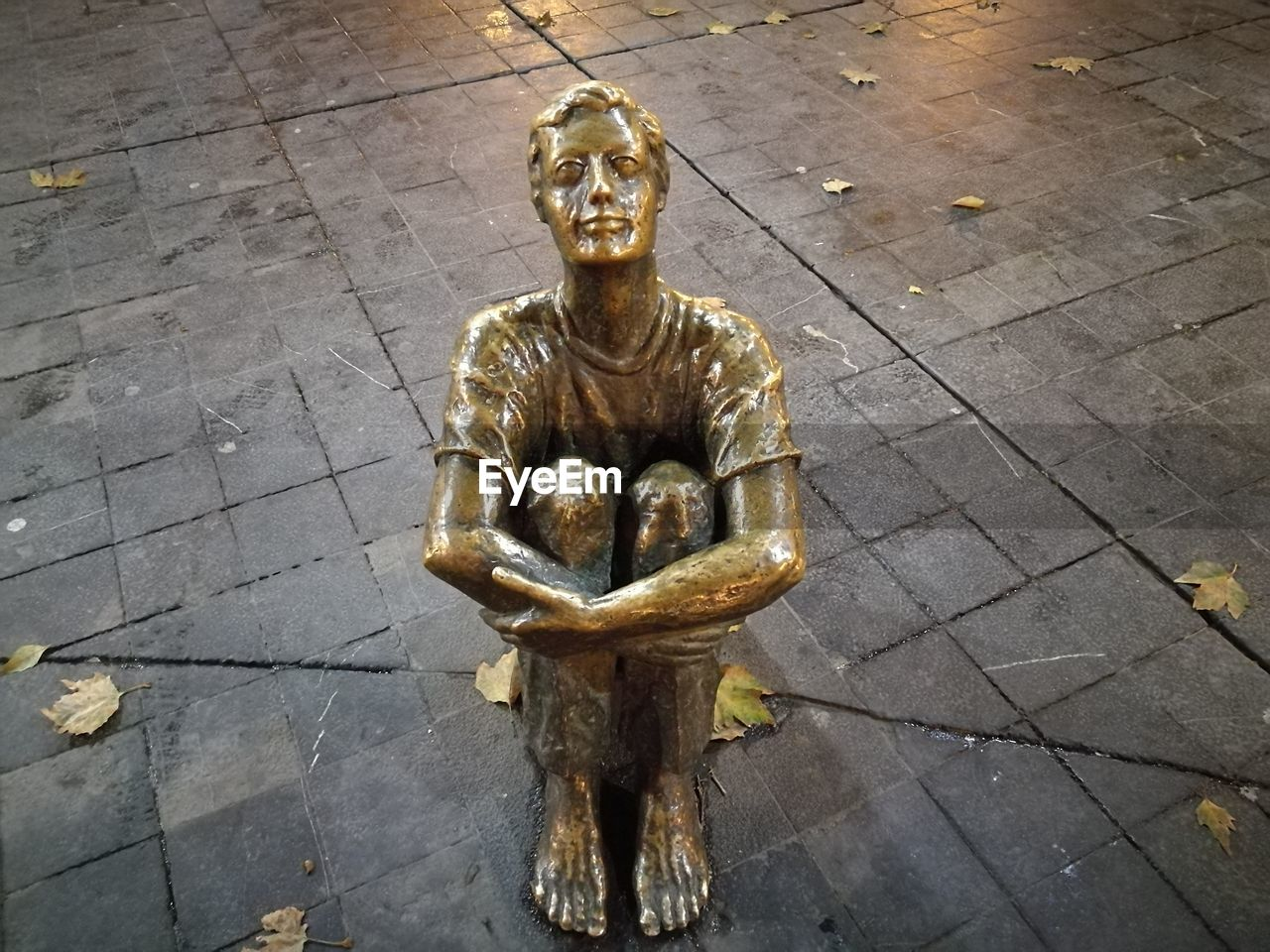statue, human representation, sculpture, male likeness, art and craft, gold colored, no people, day, outdoors, close-up