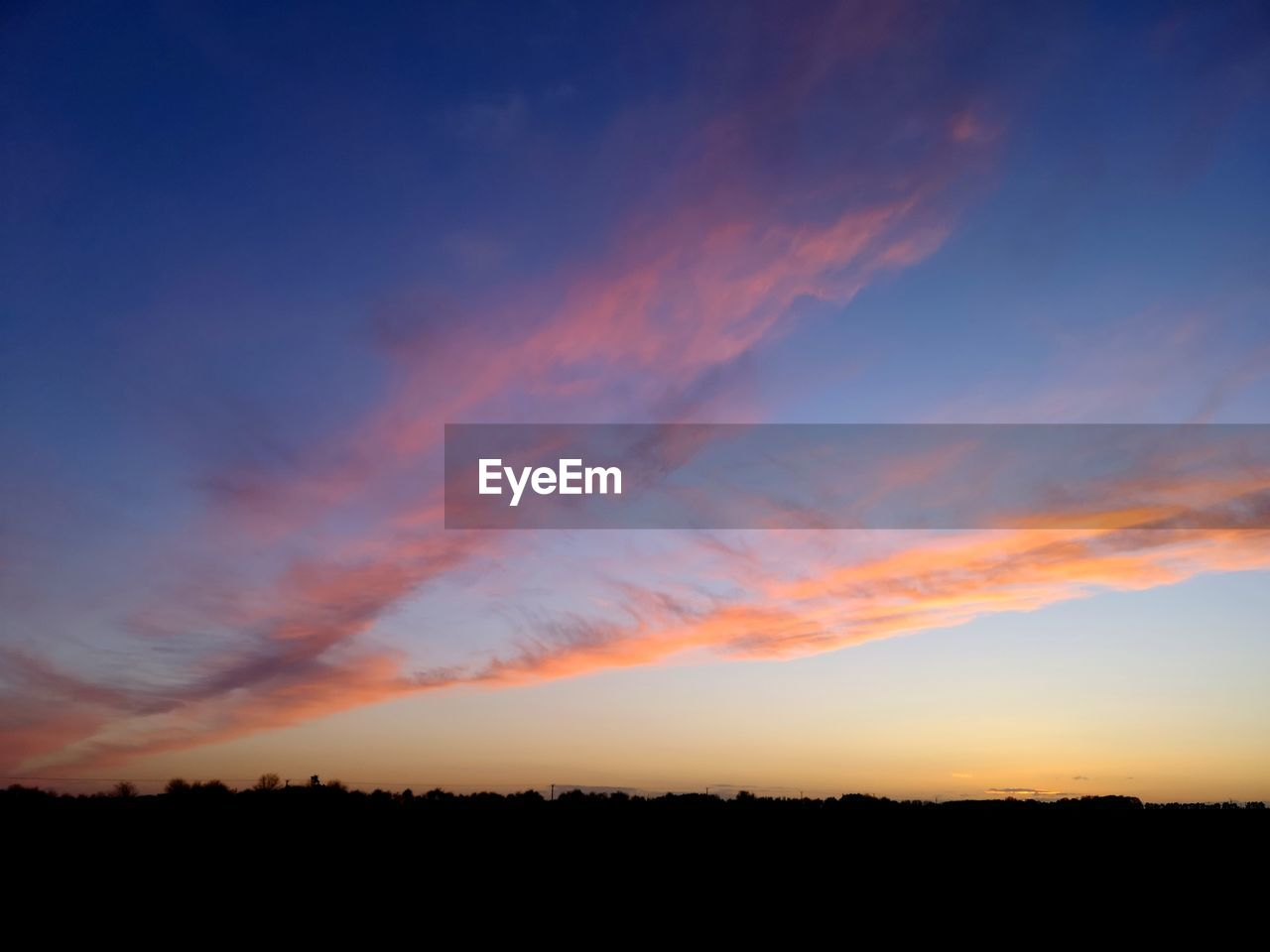 sky, sunset, beauty in nature, scenics - nature, cloud - sky, tranquil scene, tranquility, orange color, silhouette, landscape, nature, environment, non-urban scene, no people, field, land, idyllic, outdoors, plant, horizon over land