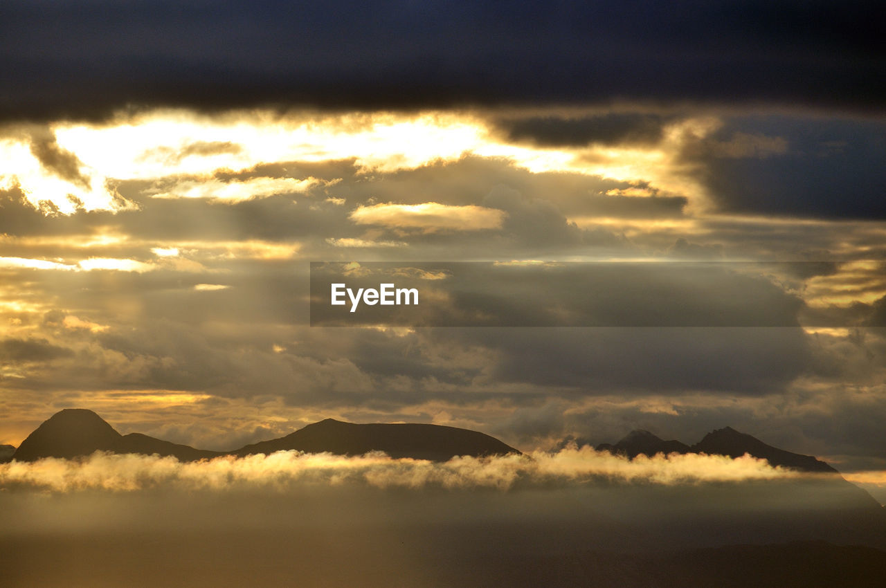 scenics, beauty in nature, tranquility, sunset, nature, cloud - sky, tranquil scene, sky, no people, outdoors, mountain, day