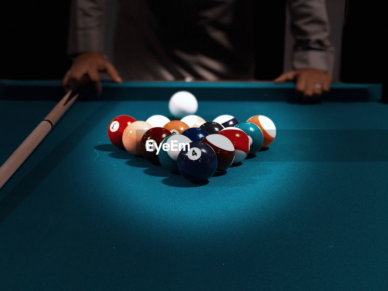 sport, pool ball, pool table, ball, pool - cue sport, table, leisure activity, one person, snooker, indoors, competition, real people, playing, leisure games, pool cue, human hand, relaxation, hand, accuracy, men, skill, nightlife
