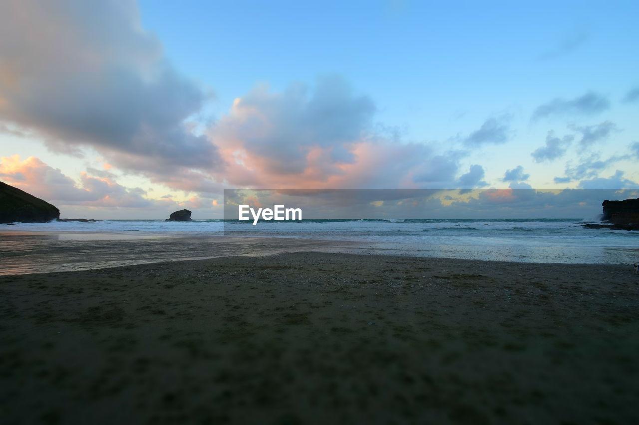 sky, sea, water, cloud - sky, scenics - nature, beauty in nature, beach, land, tranquil scene, horizon over water, tranquility, sunset, horizon, no people, nature, idyllic, non-urban scene, sand, outdoors