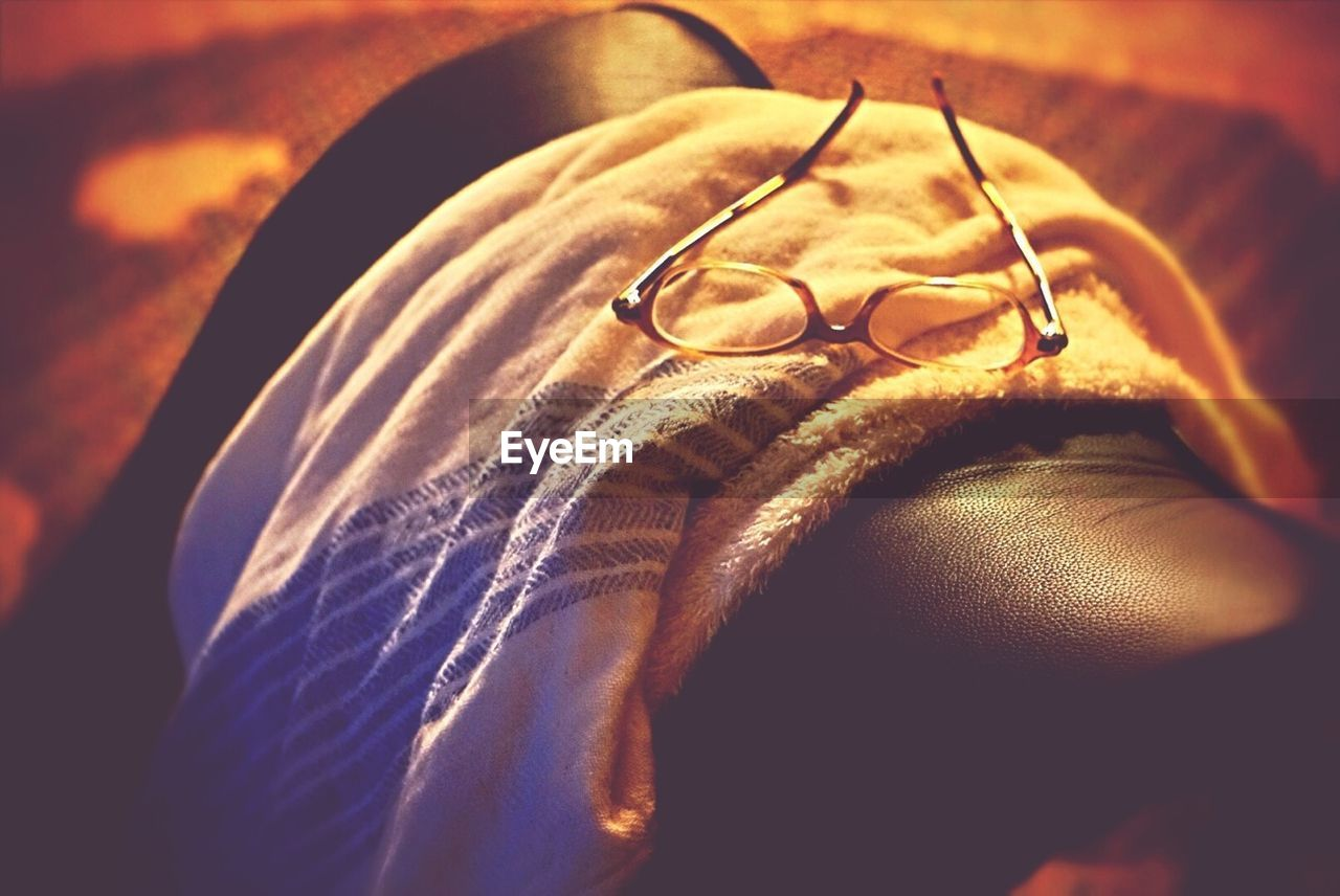 indoors, close-up, ring, eyeglasses, love, one person, men, human body part, human hand, day, people