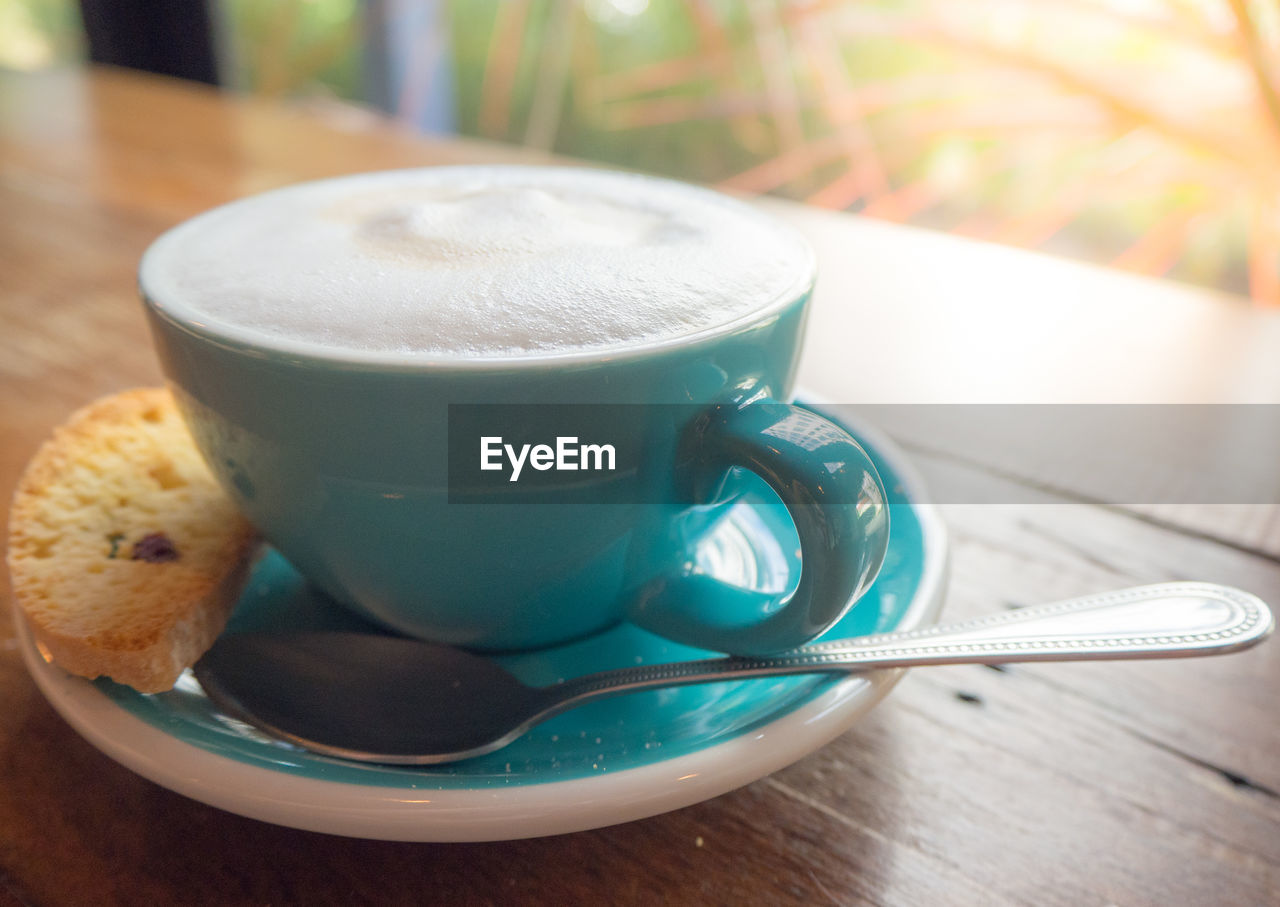 drink, food and drink, coffee cup, refreshment, coffee - drink, table, indoors, saucer, frothy drink, freshness, close-up, focus on foreground, no people, healthy eating, cappuccino, day, froth art