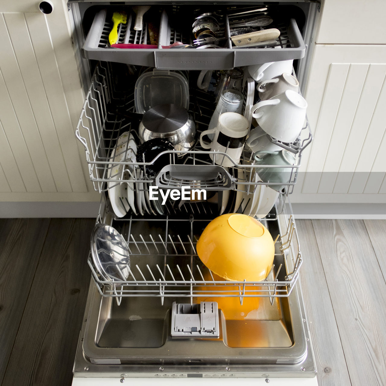 indoors, appliance, kitchen, domestic room, domestic kitchen, home, household equipment, kitchen utensil, stove, no people, still life, food and drink, high angle view, home interior, egg, lifestyles, machinery, rack, container, close-up