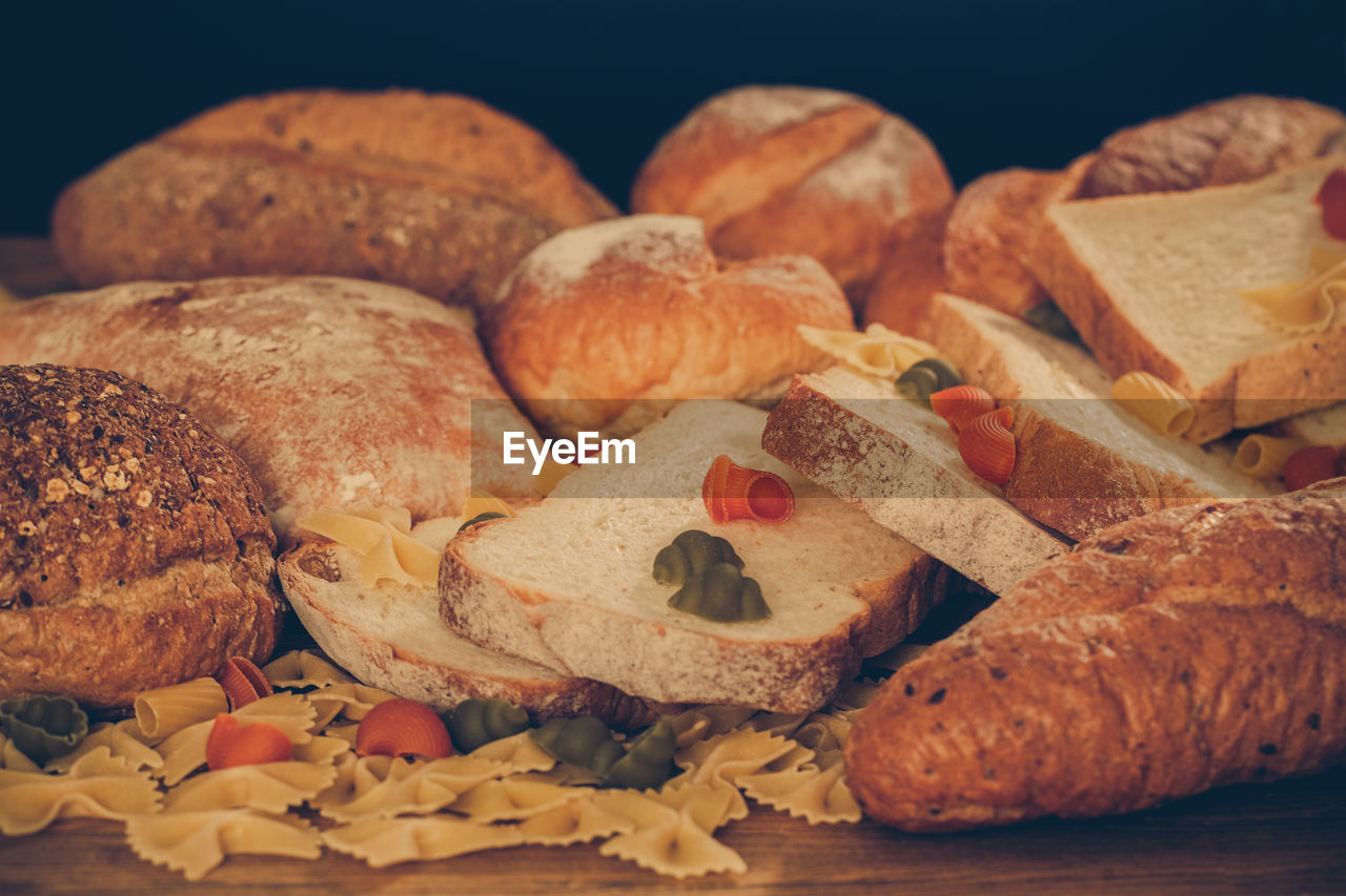 CLOSE-UP OF BREAD IN CONTAINER