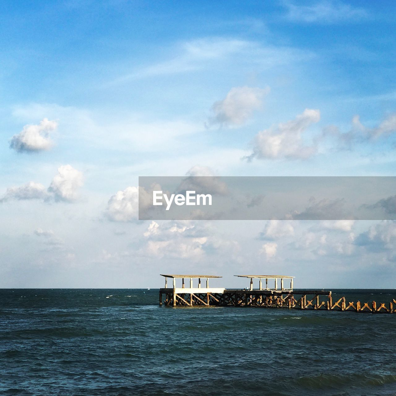 sea, sky, water, cloud - sky, horizon over water, tranquil scene, scenics, beauty in nature, tranquility, built structure, nature, waterfront, outdoors, day, no people, architecture