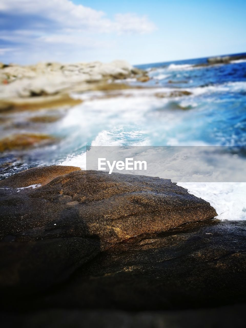 sea, water, nature, beauty in nature, no people, rock - object, outdoors, sky, day, tranquility, scenics, wave, beach, horizon over water, close-up
