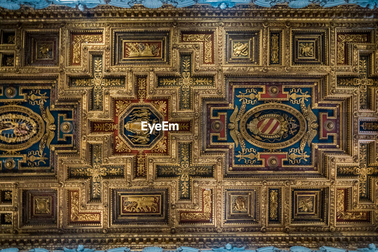 art and craft, pattern, design, architecture, no people, creativity, religion, craft, full frame, indoors, ornate, decoration, built structure, building, belief, place of worship, travel destinations, shape, wall - building feature, day, ceiling, mural, floral pattern