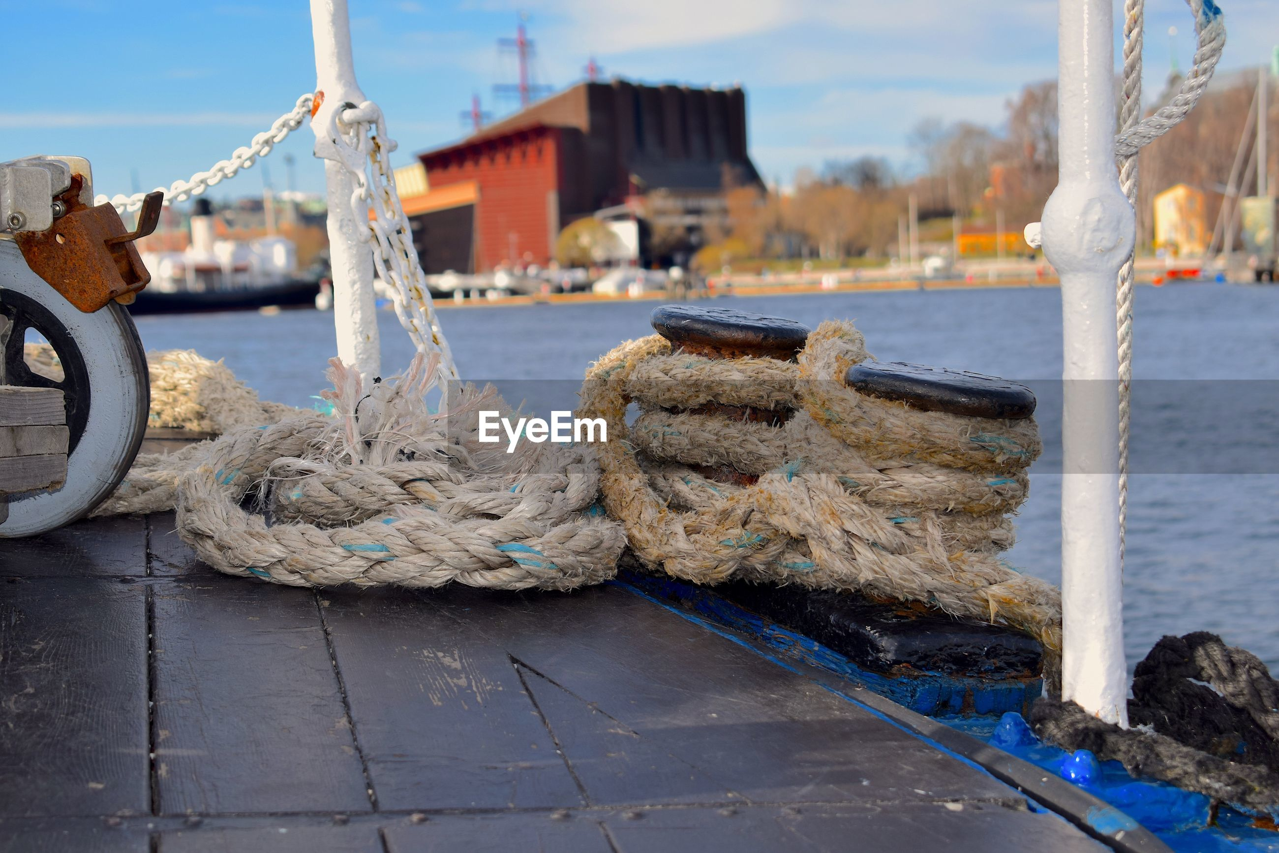 Rope tied on boat at harbor