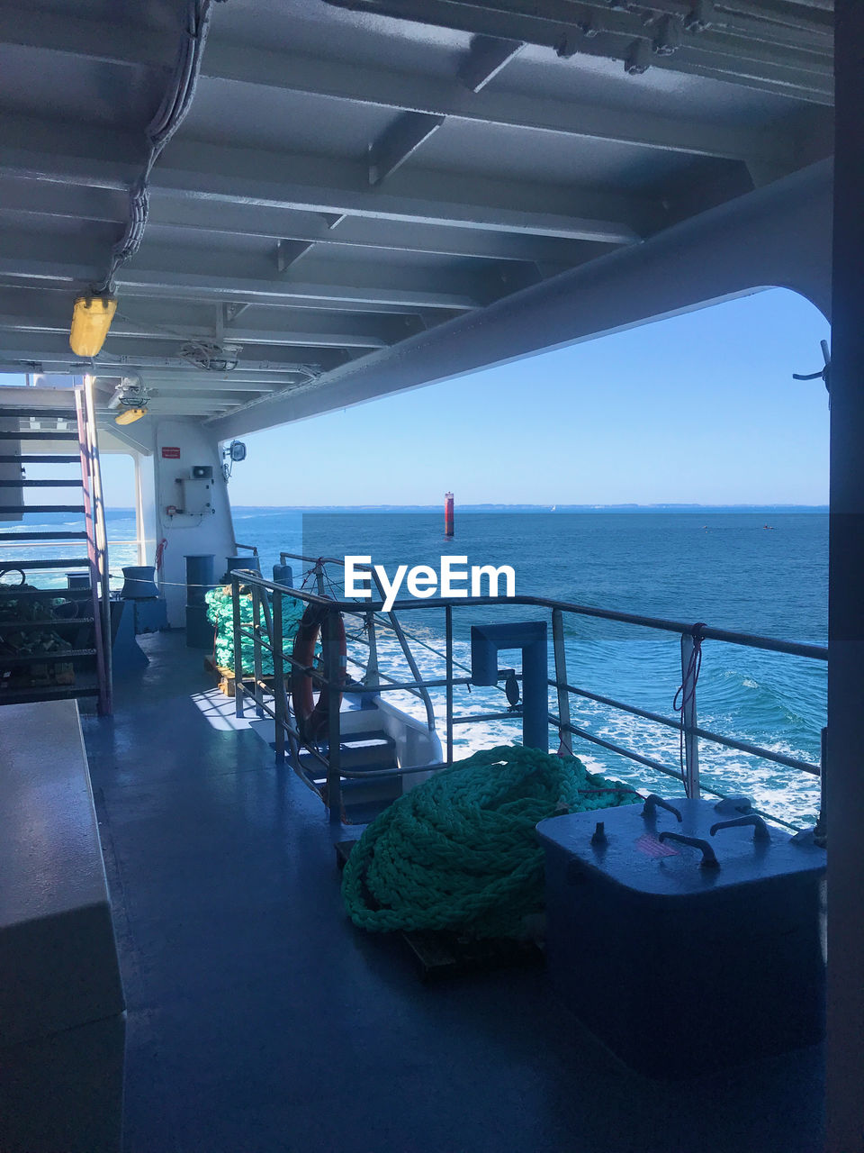 sea, water, horizon over water, sky, horizon, nautical vessel, nature, transportation, day, architecture, indoors, mode of transportation, no people, beach, land, travel, ship, seat, ceiling