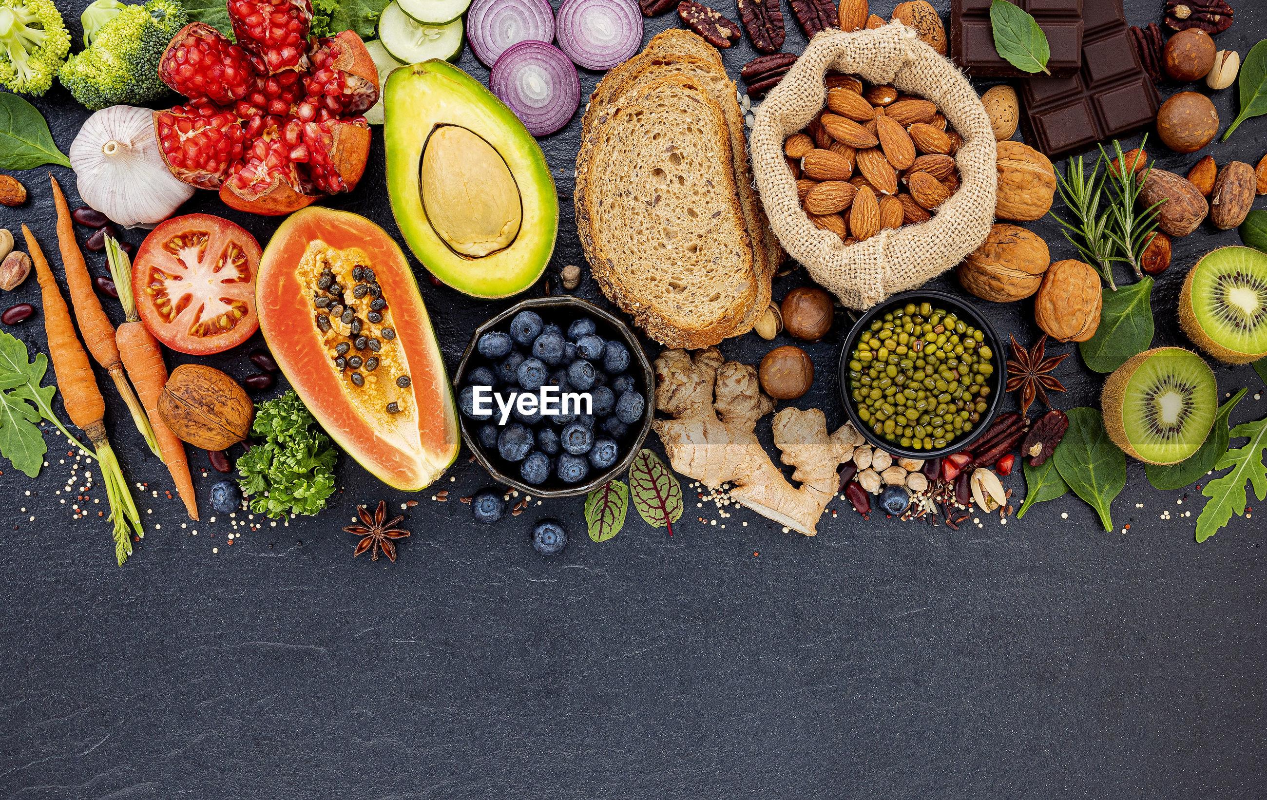 HIGH ANGLE VIEW OF FRUITS ON DISPLAY