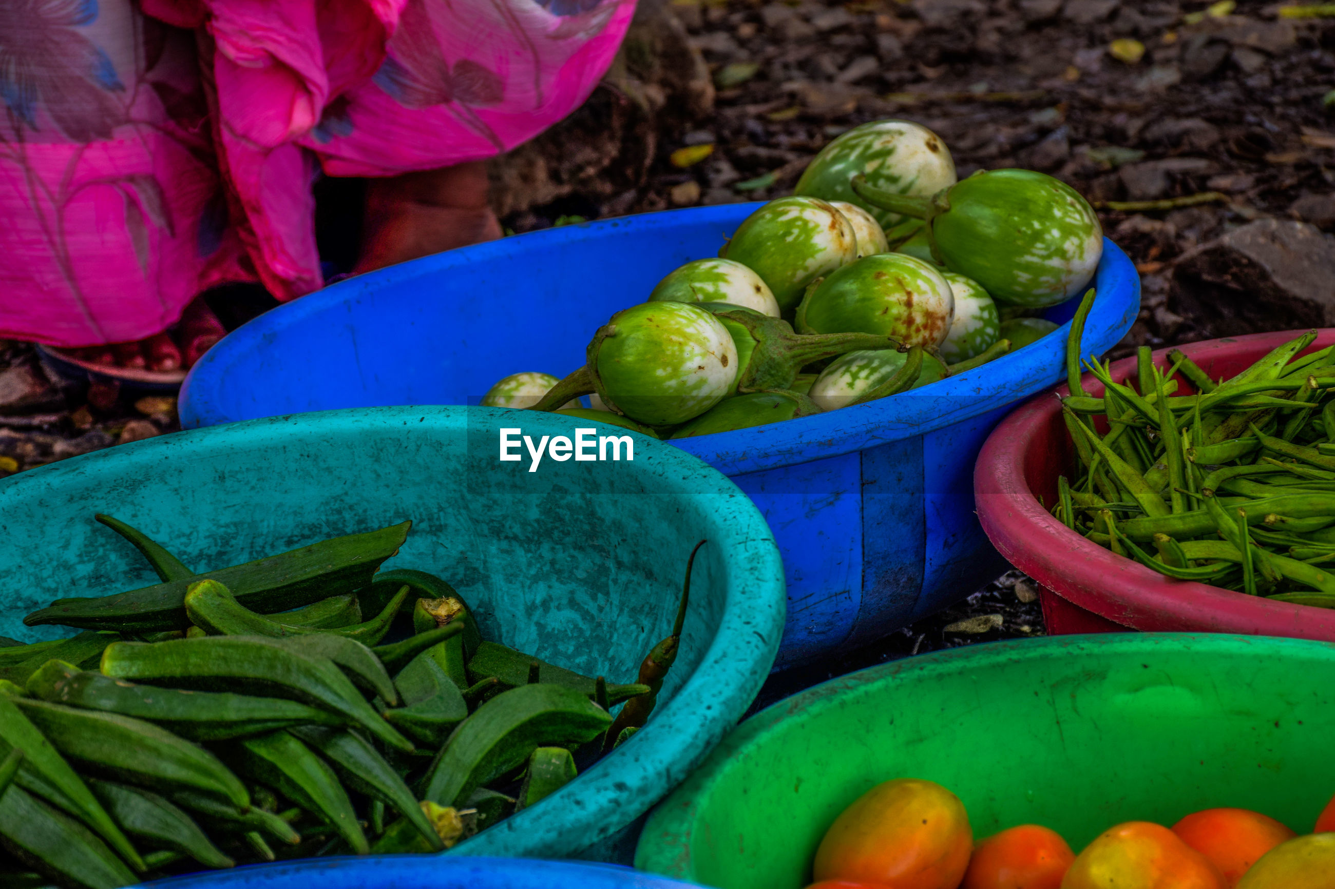 HIGH ANGLE VIEW OF VEGETABLES IN MARKET