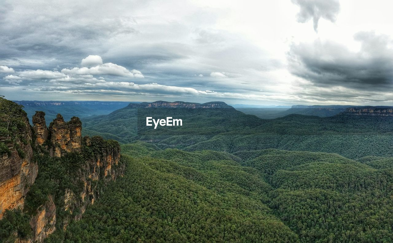 Scenic View Of Blue Mountains National Park Against Cloudy Sky