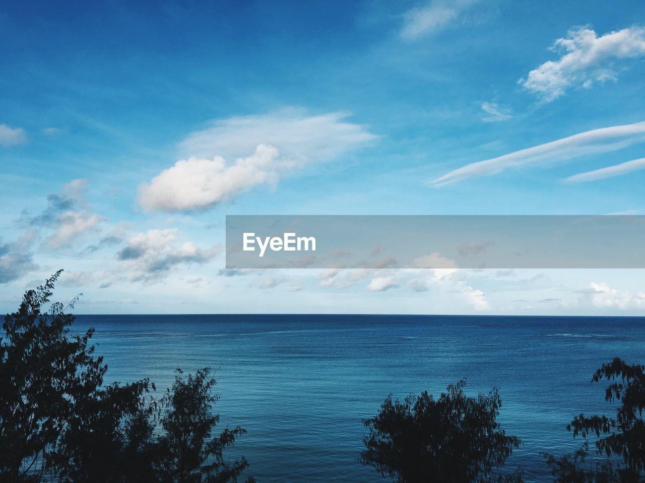 sky, water, sea, cloud - sky, scenics - nature, horizon over water, beauty in nature, horizon, tranquil scene, tranquility, blue, nature, non-urban scene, day, no people, idyllic, tree, land, beach