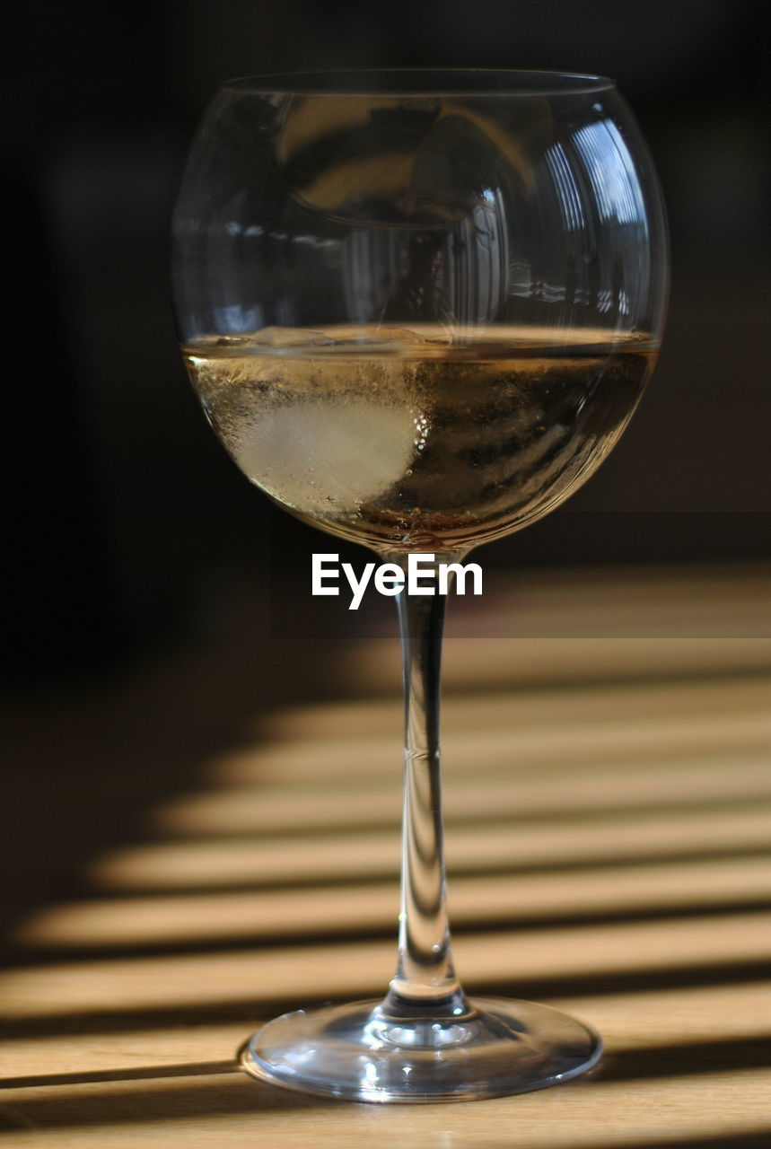 wineglass, refreshment, food and drink, alcohol, drink, wine, close-up, no people, focus on foreground, indoors, table, freshness, day