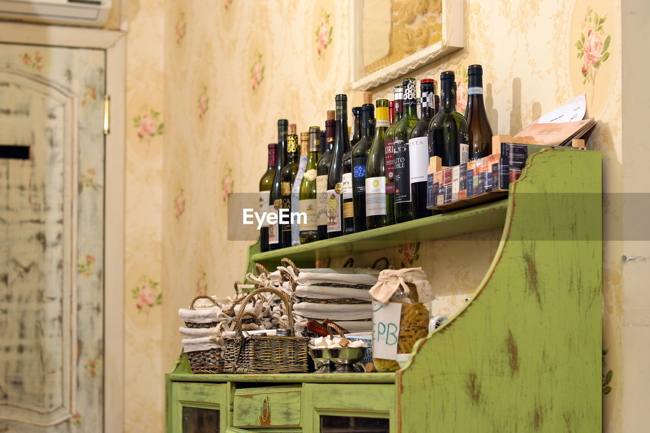 shelf, choice, large group of objects, indoors, variation, abundance, retail, store, no people, day