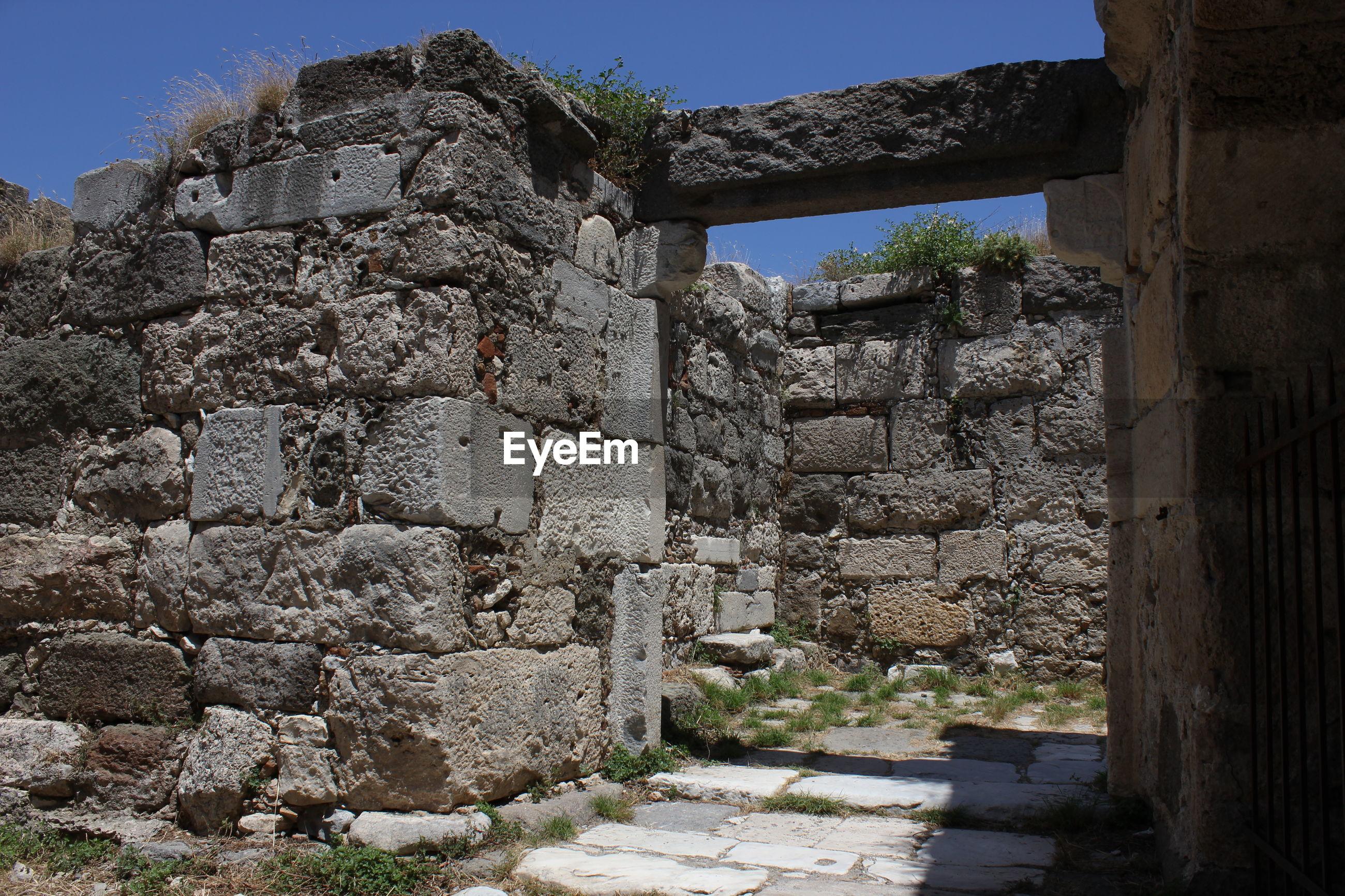 Old ruin against sky