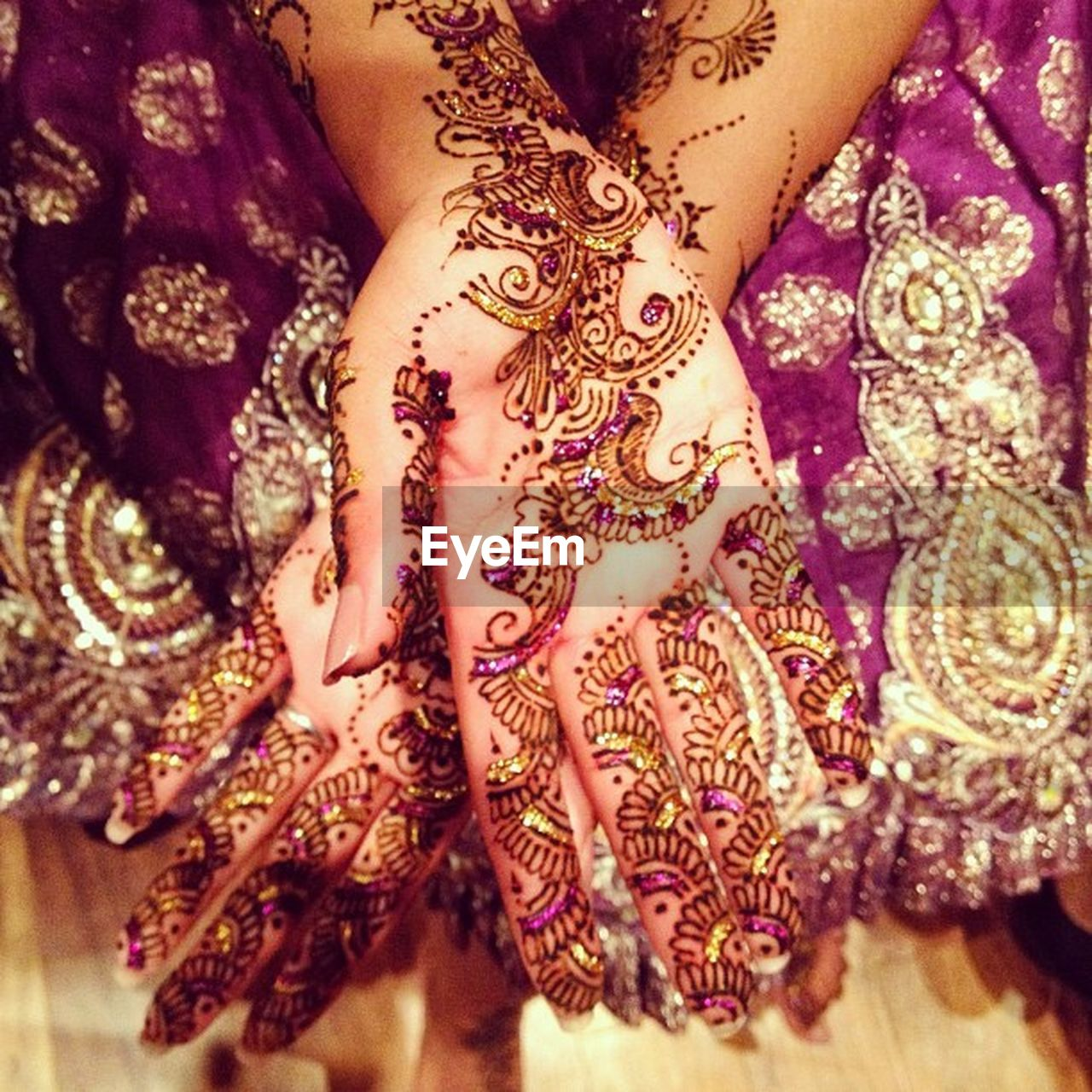 henna tattoo, pattern, design, celebration, high angle view, close-up, one person, cultures, human body part, indoors, real people, women, one woman only, only women, human hand, adult, people, adults only, day