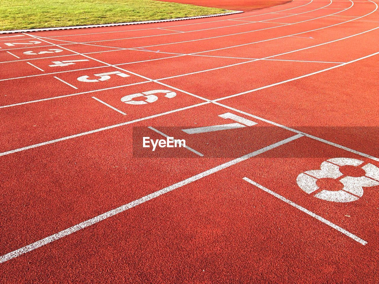 running track, number, track and field, sports track, sports race, sport, competition, striped, day, outdoors, starting line, red, no people, track and field stadium, stadium, competitive sport, track and field event, finish line