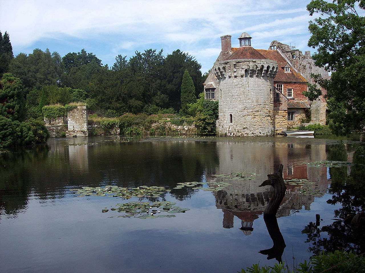 architecture, reflection, tree, history, built structure, water, building exterior, ancient, outdoors, day, no people, nature, sky