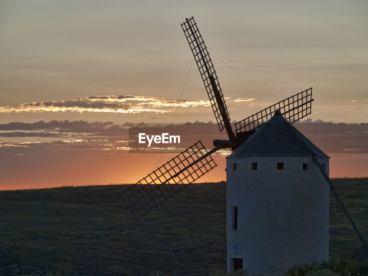 sunset, renewable energy, sky, alternative energy, environmental conservation, environment, architecture, wind power, traditional windmill, turbine, wind turbine, built structure, fuel and power generation, cloud - sky, nature, orange color, no people, landscape, rural scene, scenics - nature, outdoors
